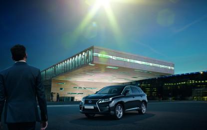 Nuova Lexus RX 450h Advance: sound da paura!