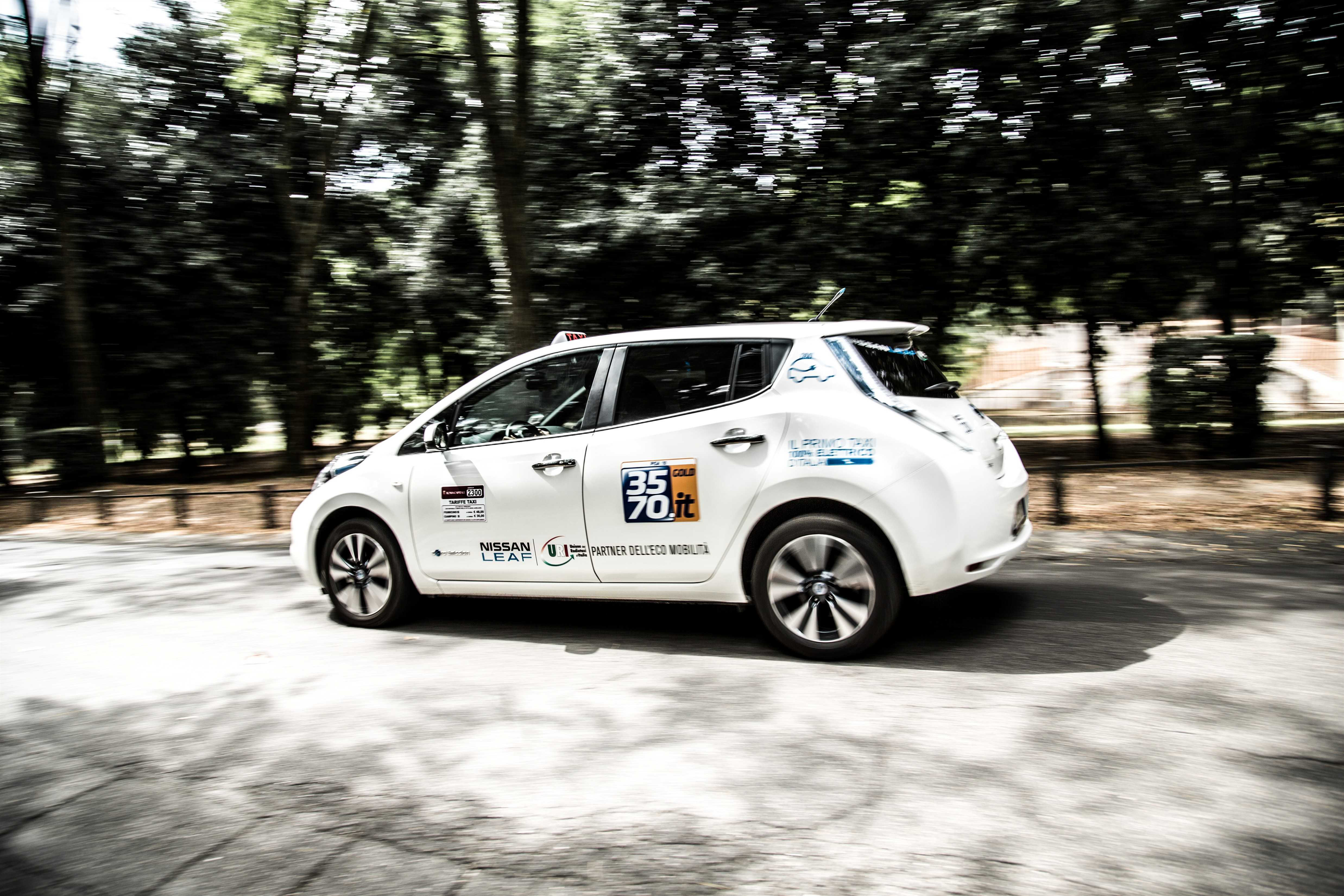 Da Nissan e Uri i primi taxi 100% elettrici d'Italia