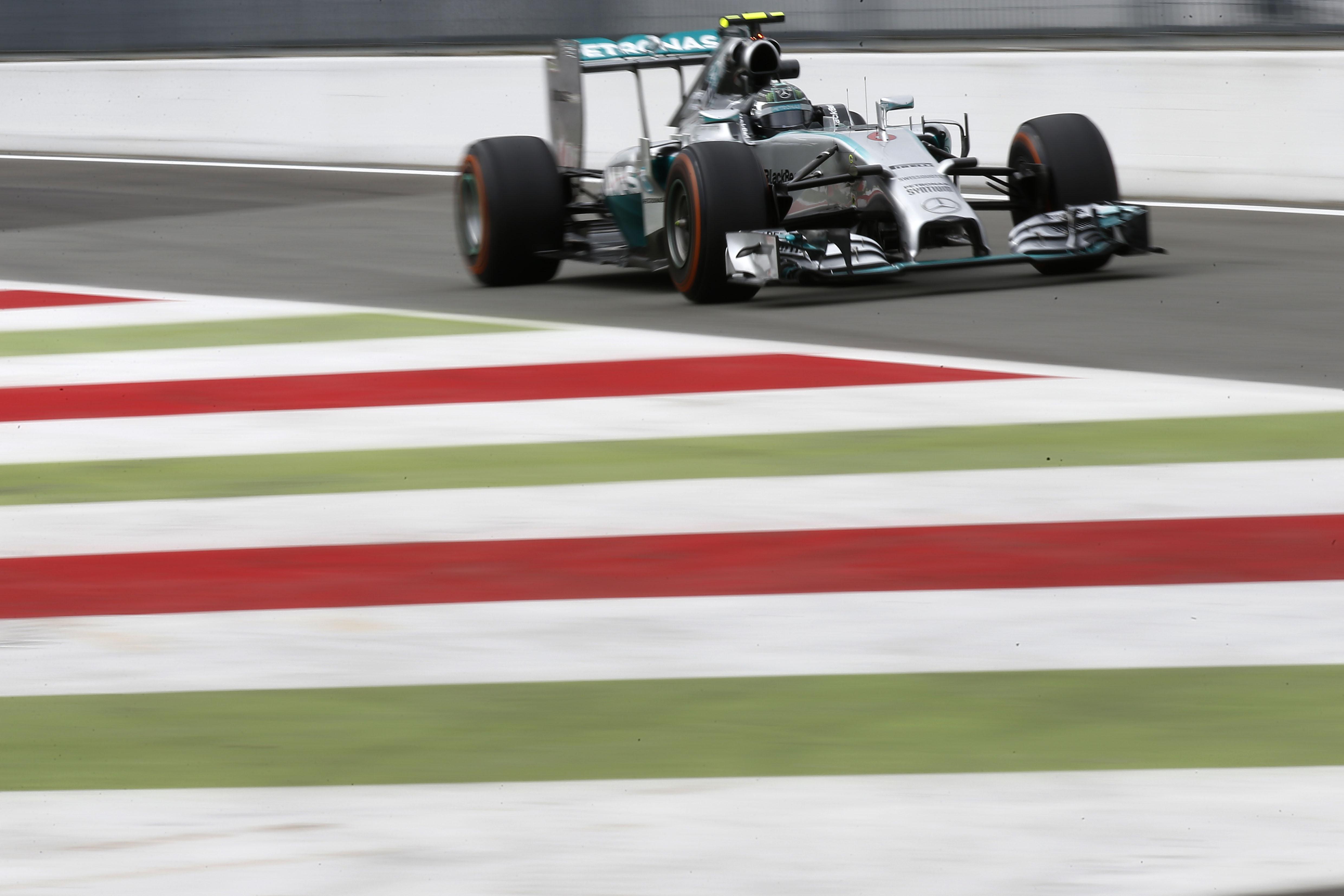 Monza: Rosberg detta il passo nelle libere 2