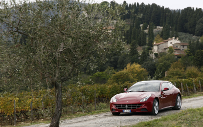 Le Ferrari incantano la Toscana