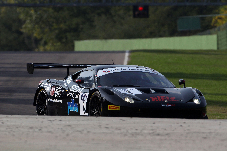 GT: doppietta Ferrari sulla pista di Imola