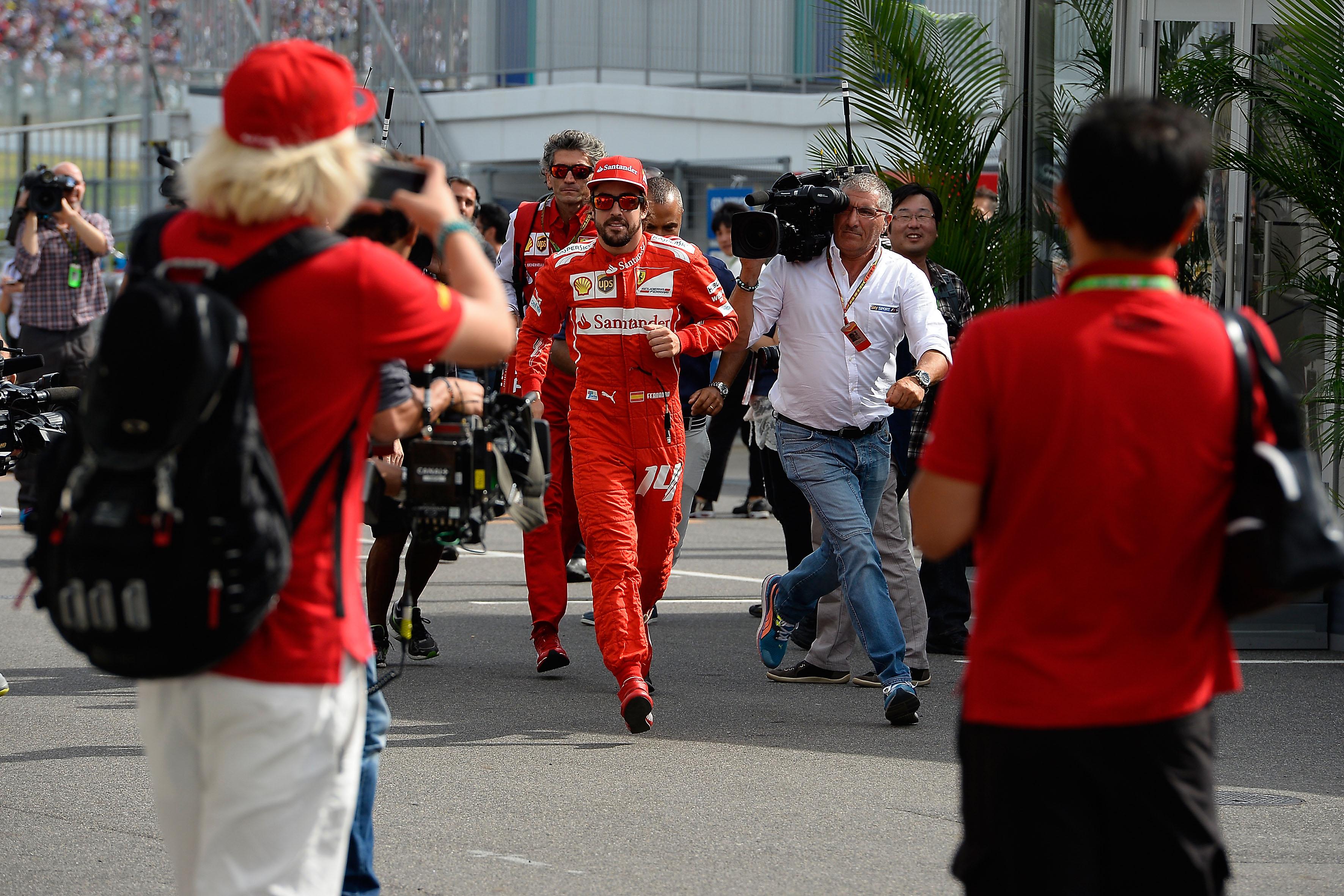Alonso (in apparenza) non si scompone