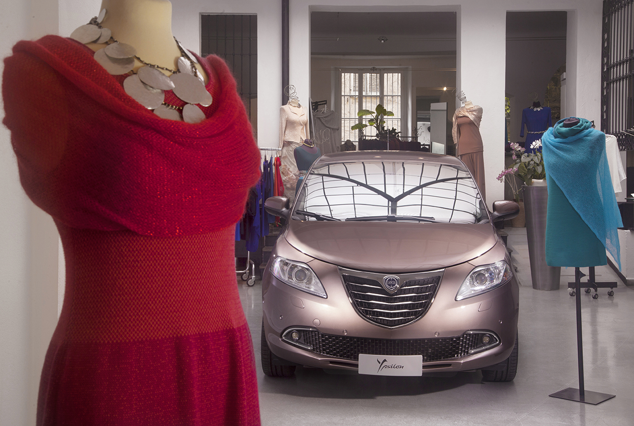 """Lancia Ypsilon ELLE ad """"Artissima 2014"""""""