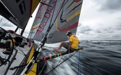 Volvo Ocean Race: Abu Dhabi guida la flotta