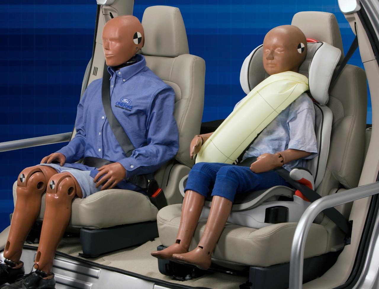 Ford: cinture di sicurezza con air-bag integrato