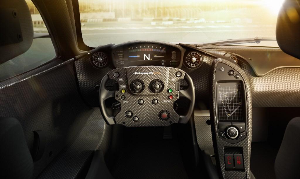 McLaren P1 GTR: gli interni, i test, il Driver Programme