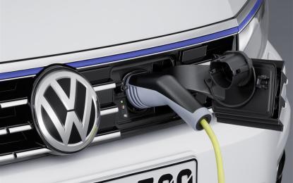 VW Passat GTE: berlina e Variant ibrida plug-in