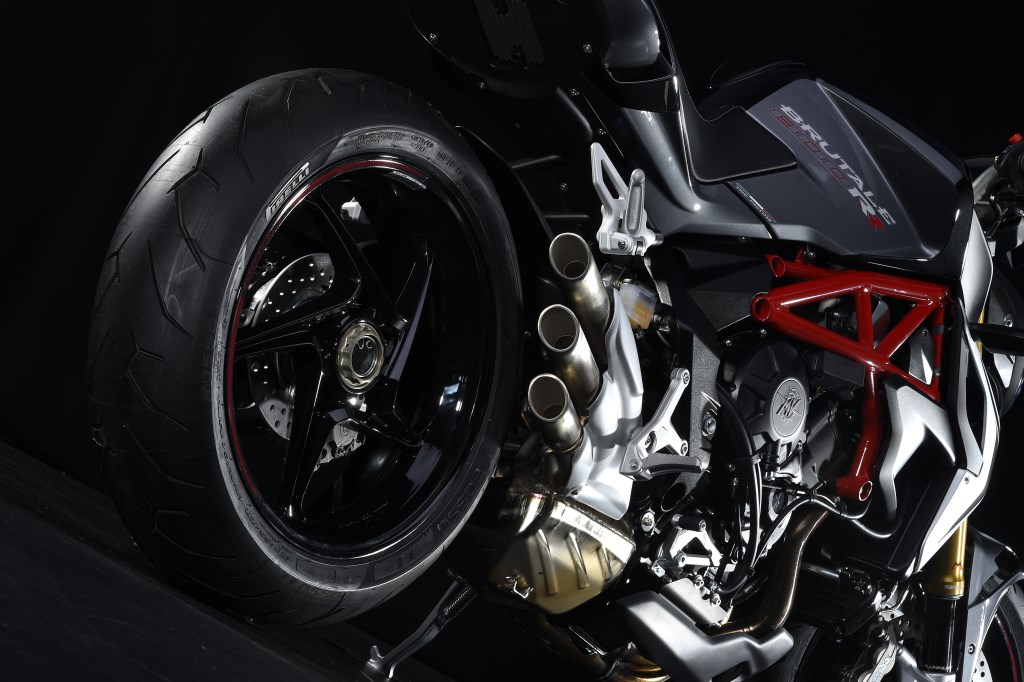 Pirelli Diablo Rosso per MV Brutale 800 RR e Dragster 800 RR