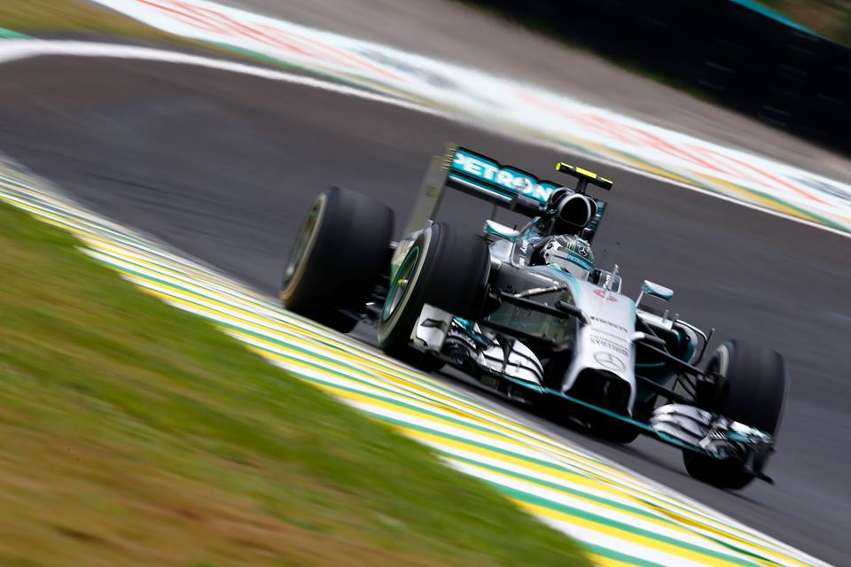 Brasile: Nico vince il duello con Lewis, Massa 3°