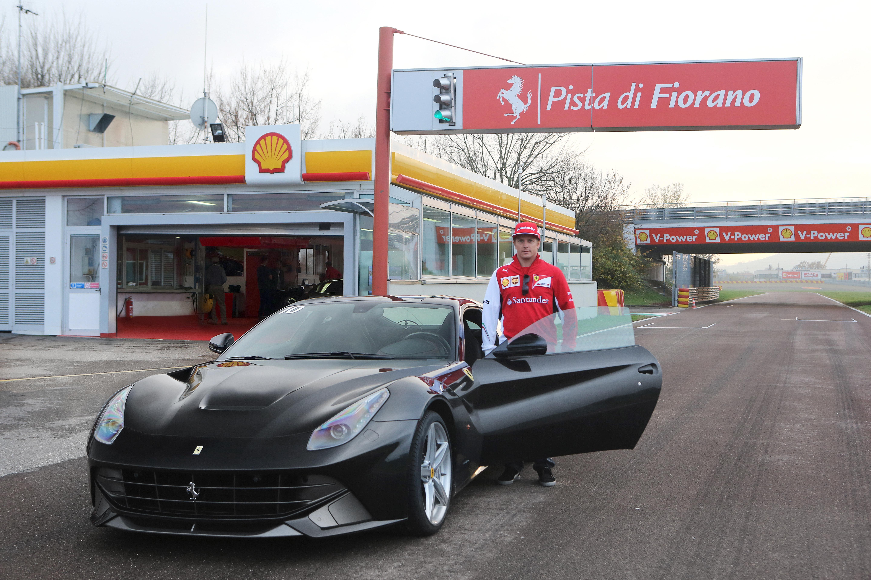 Kimi: dopo il briefing, si gioca con la F12berlinetta