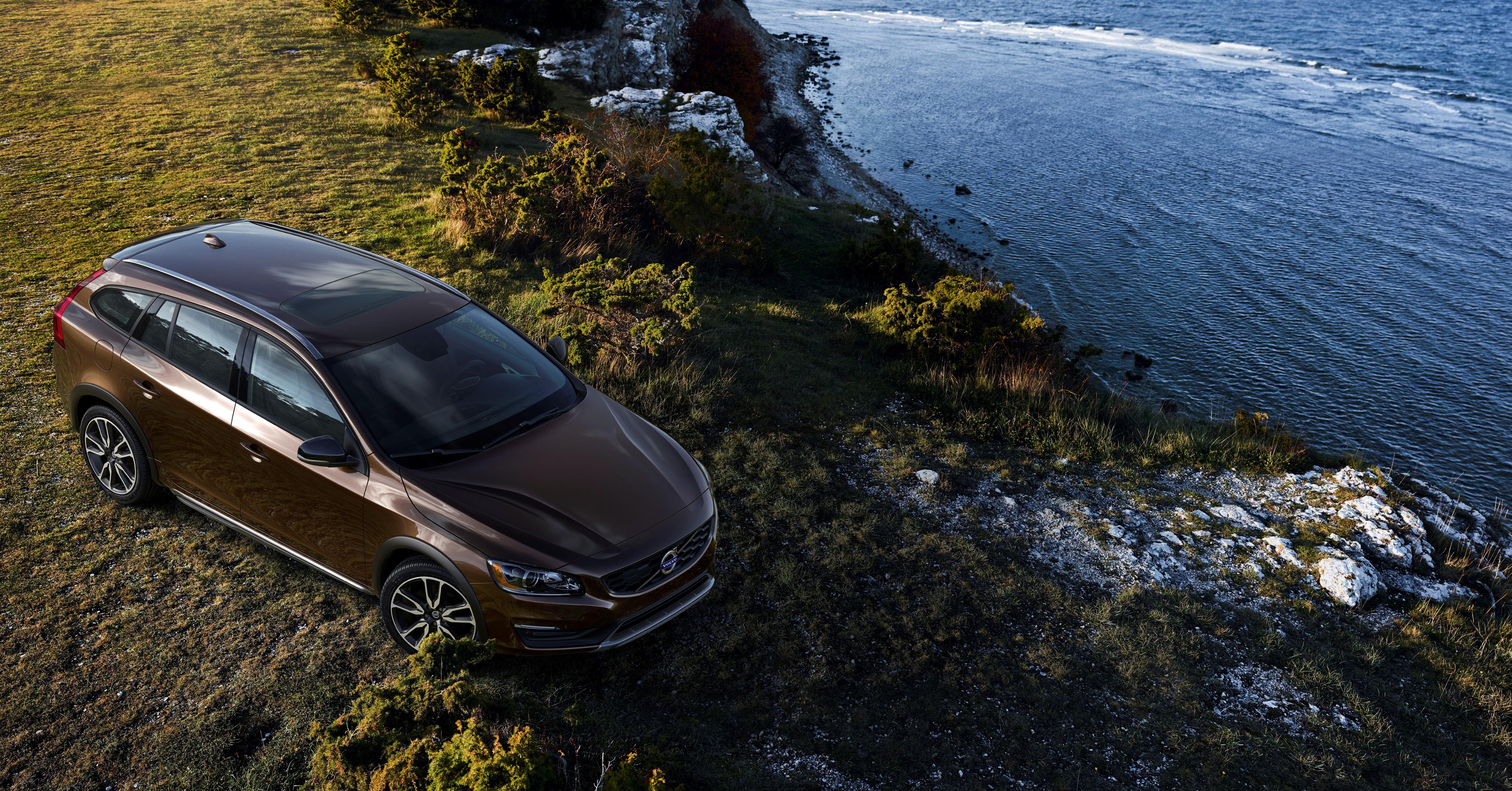 Volvo Cars presenta la nuova V60 Cross Country