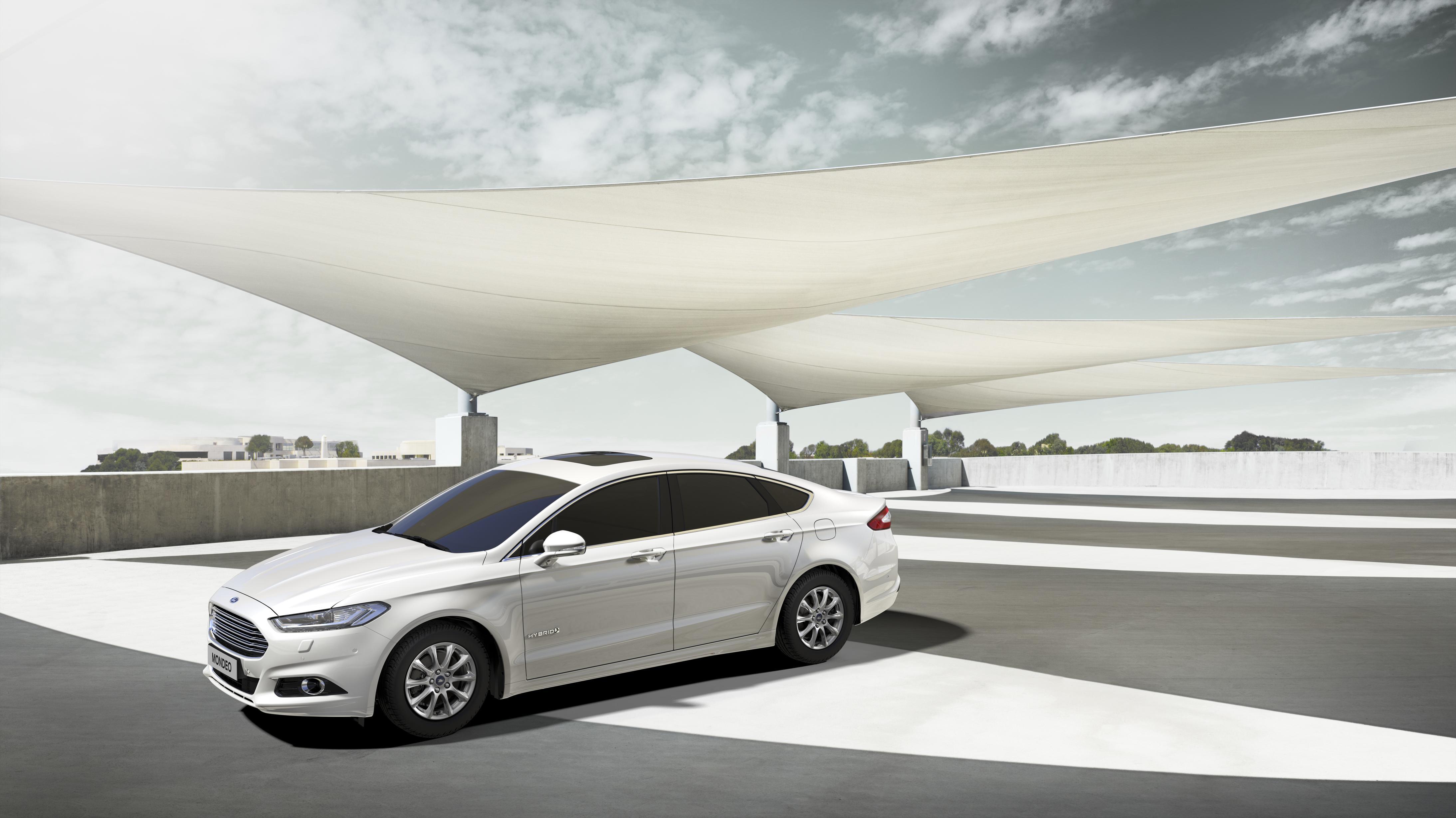 Ford a H2R con la nuova Mondeo Hybrid