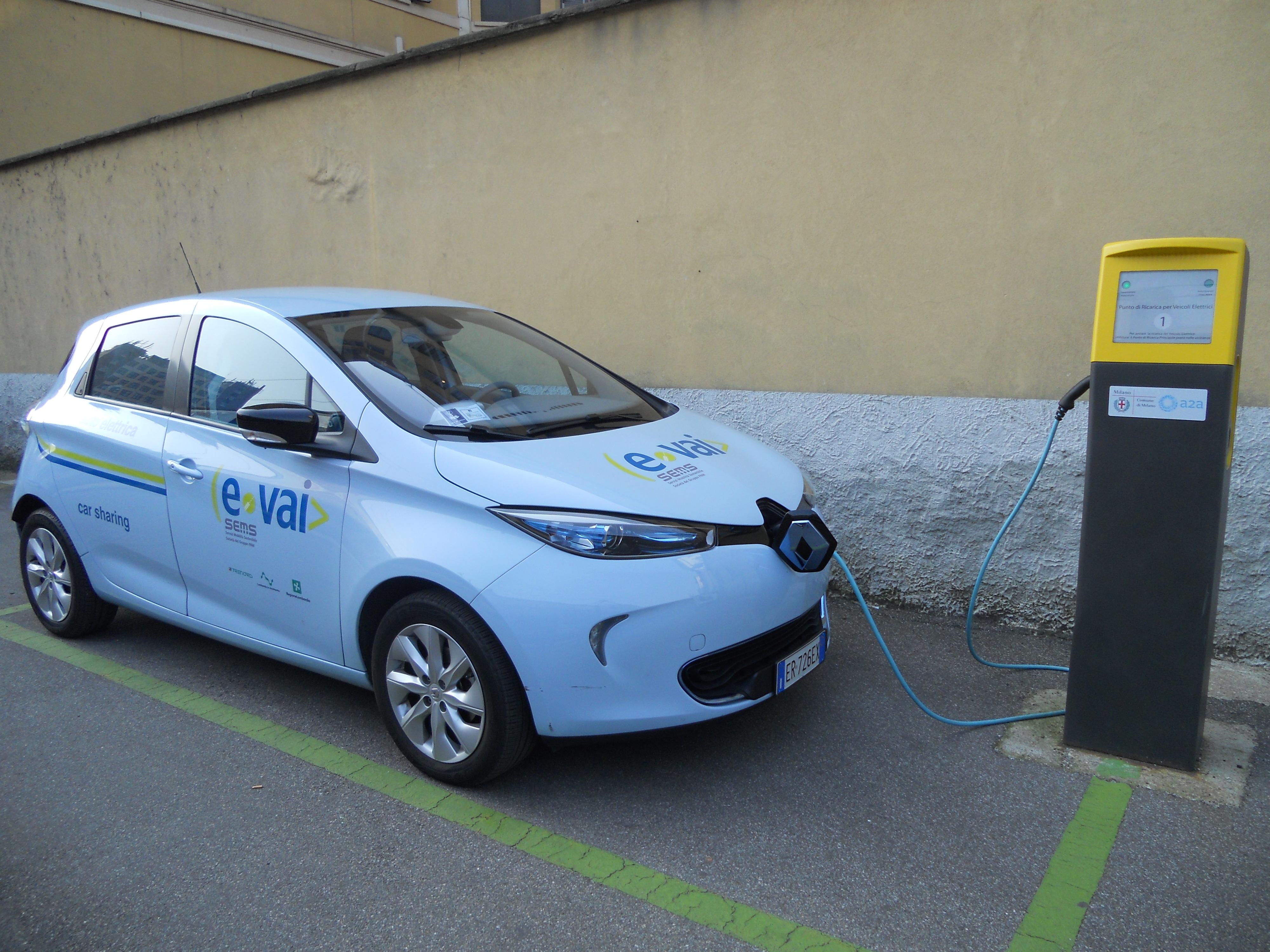 """""""e-vai"""" sceglie Renault Zoe"""