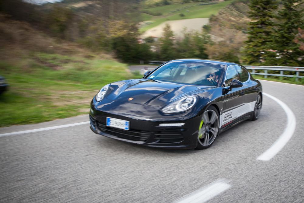 Porsche con tecnologia plug-in a H2R Ecomondo