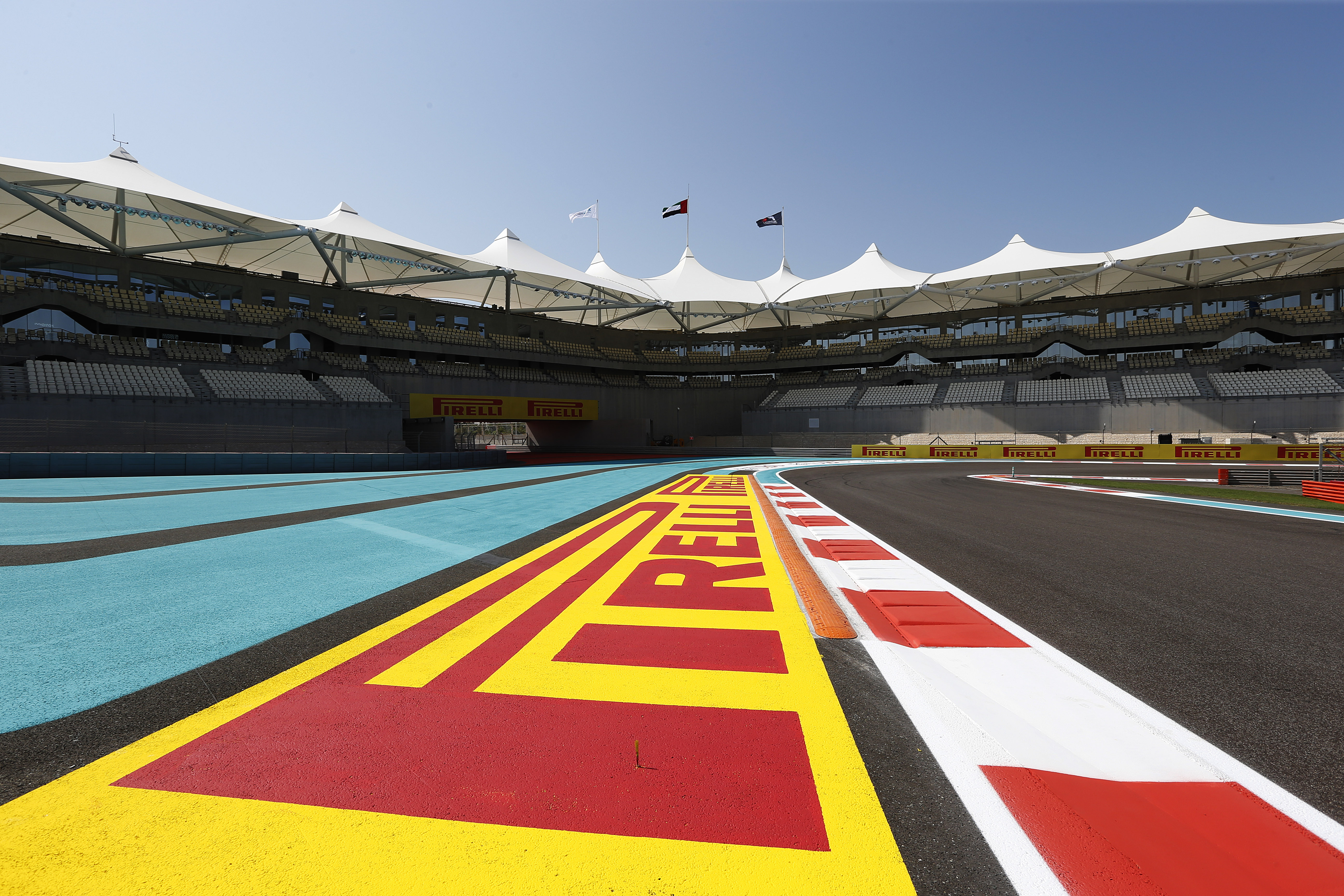 Pirelli: test ad Abu Dhabi e Ultrasoft Purple