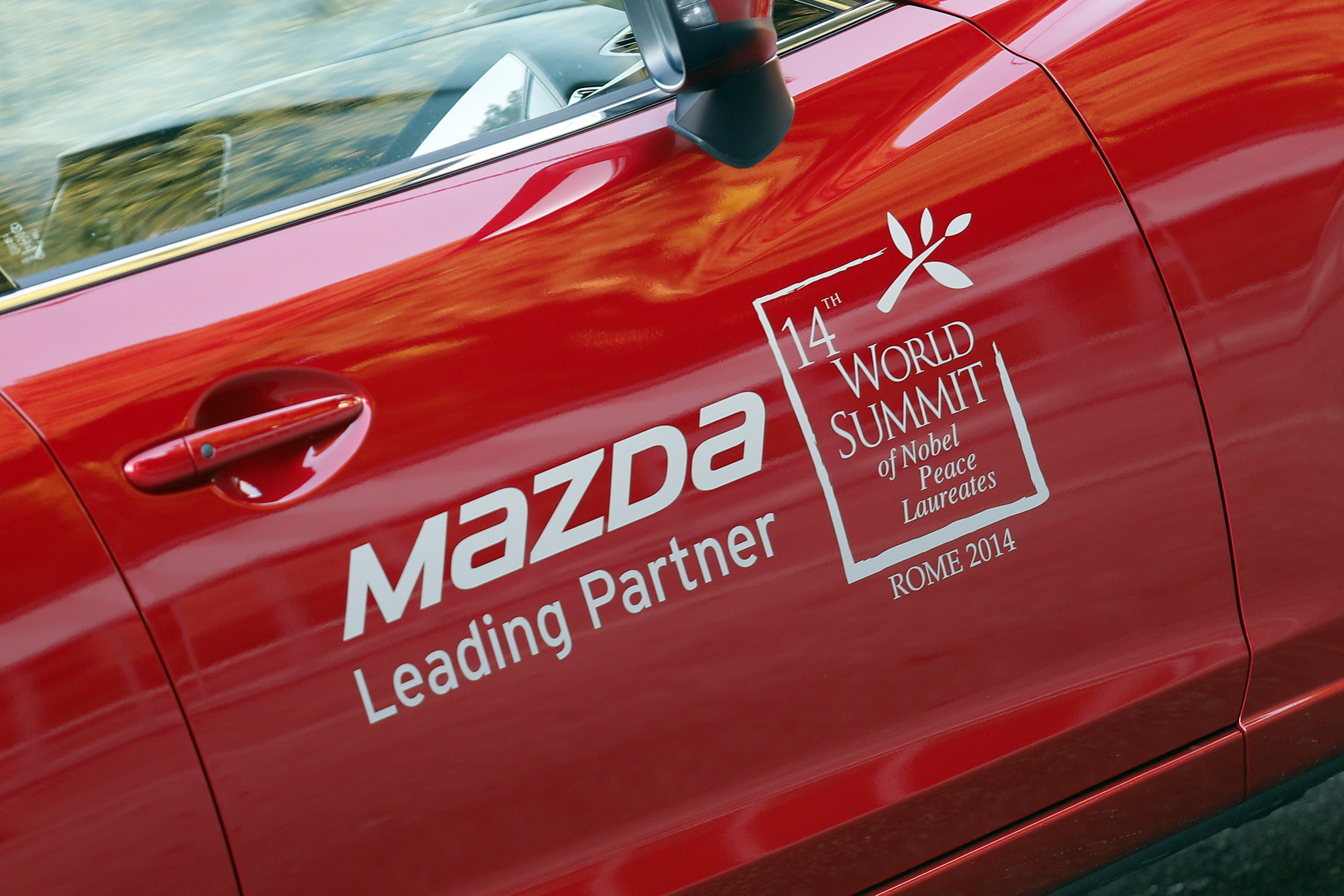 Mazda e il summit dei Nobel per la Pace