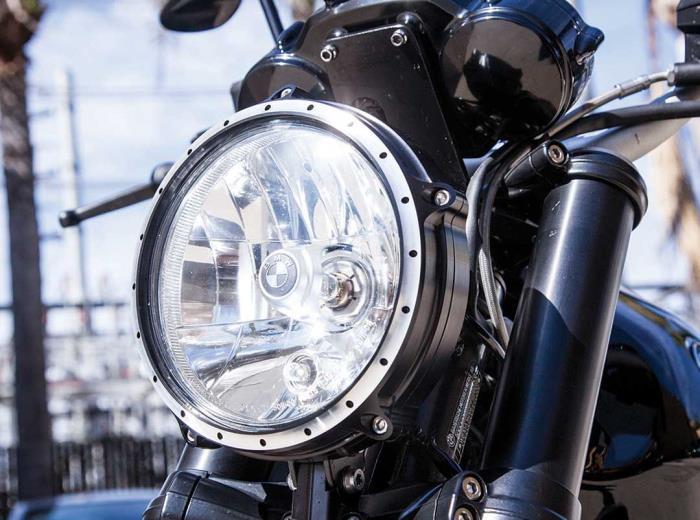 BMW Motorrad e Roland Sands Design per la R nineT