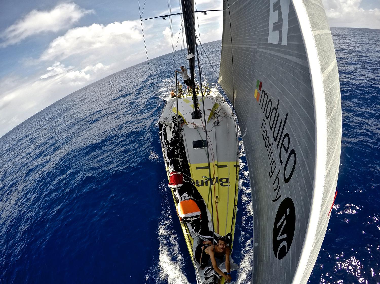 Volvo Ocean Race: l'Equatore è vicino