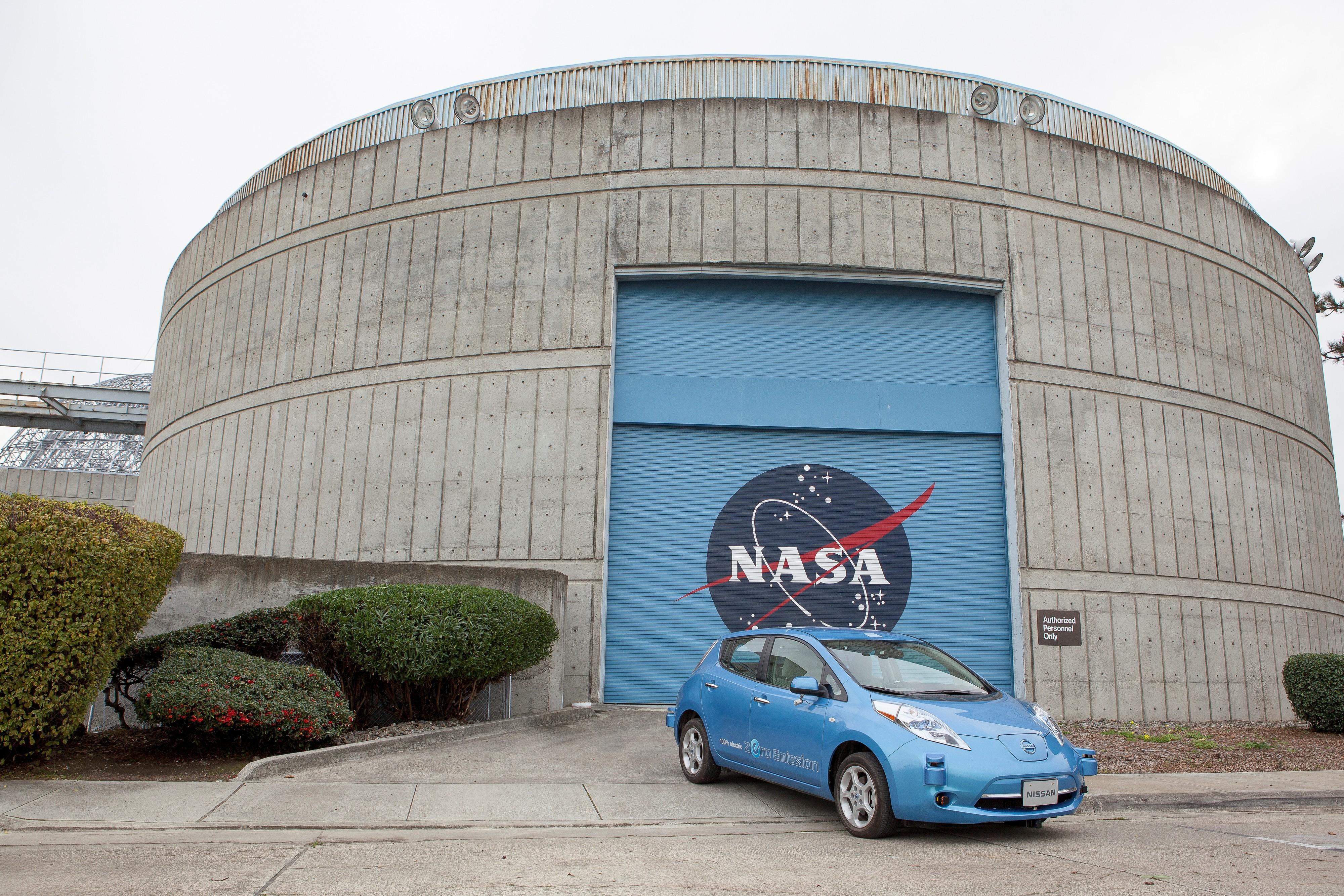 Nissan e la NASA per la guida autonoma