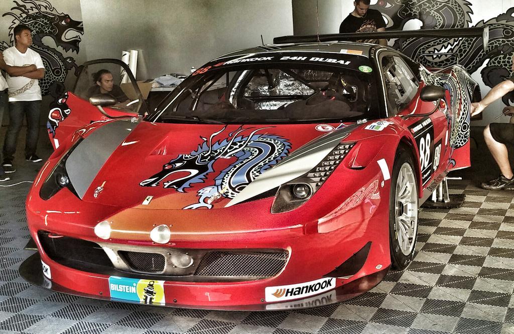 24 Ore di Dubai: tre Ferrari in pista