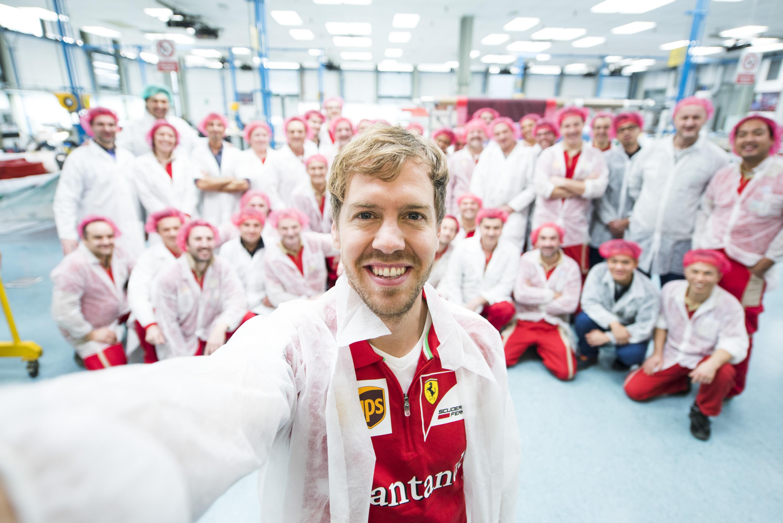 Sebastian Vettel: un selfie da Maranello