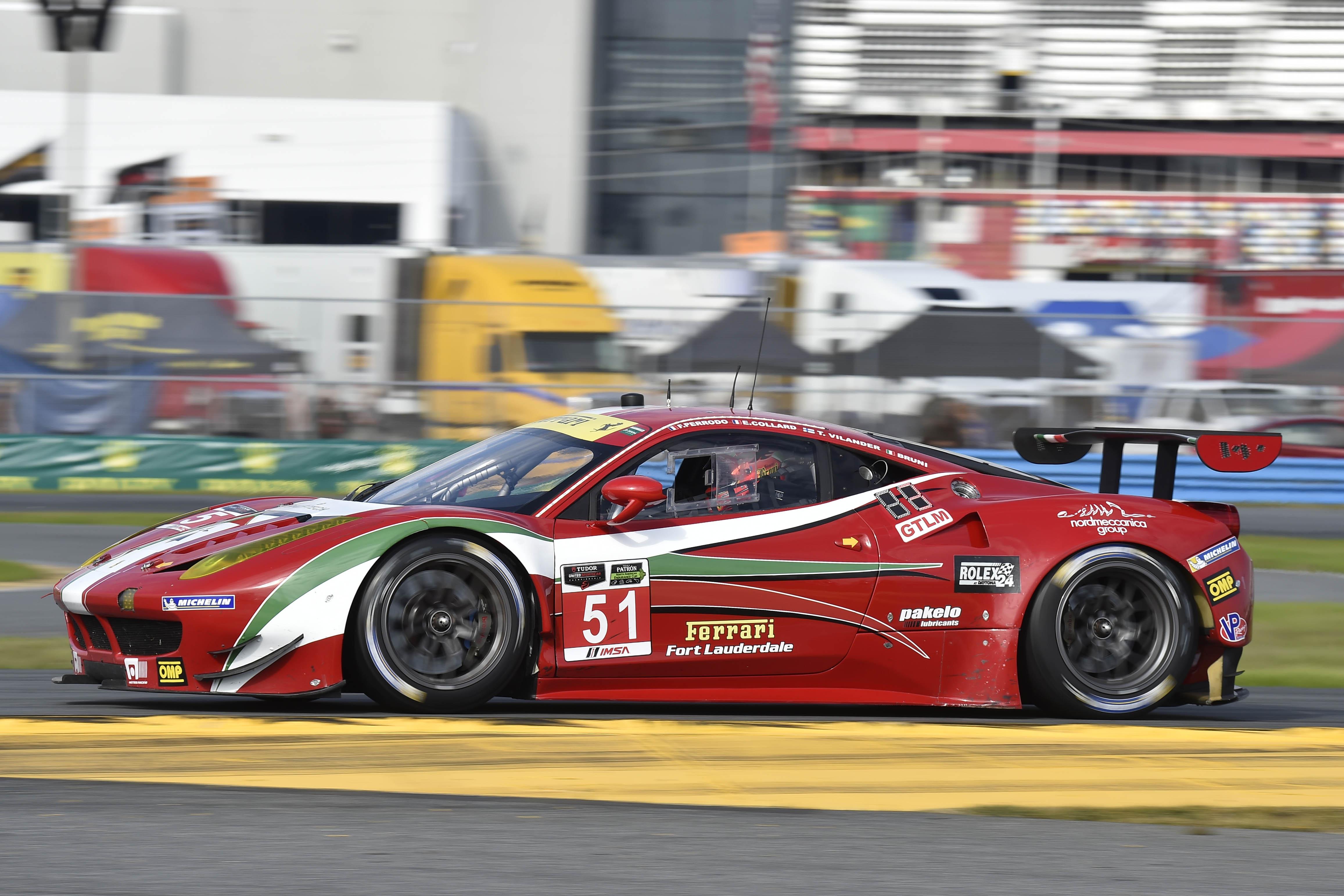 Ferrari a Daytona: prima fila per Bruni