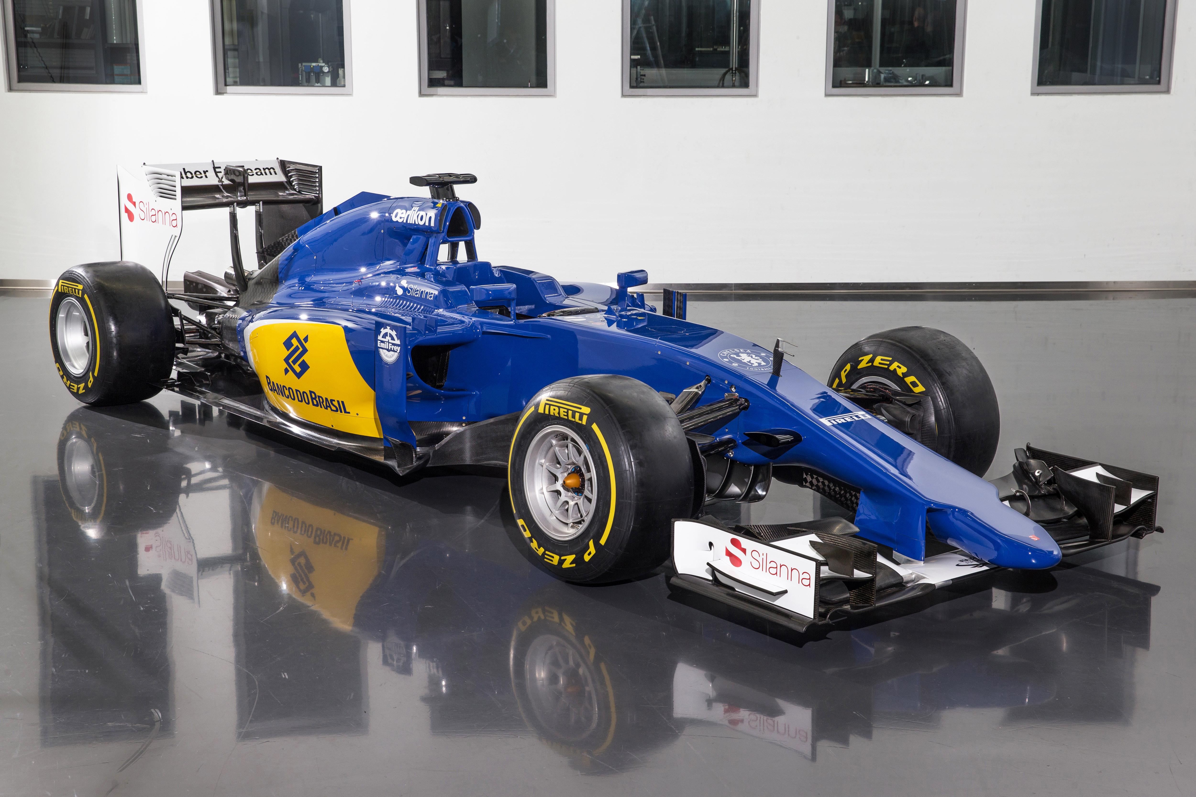 Sauber F1 Team presenta la C34-Ferrari: finalmente il colore!