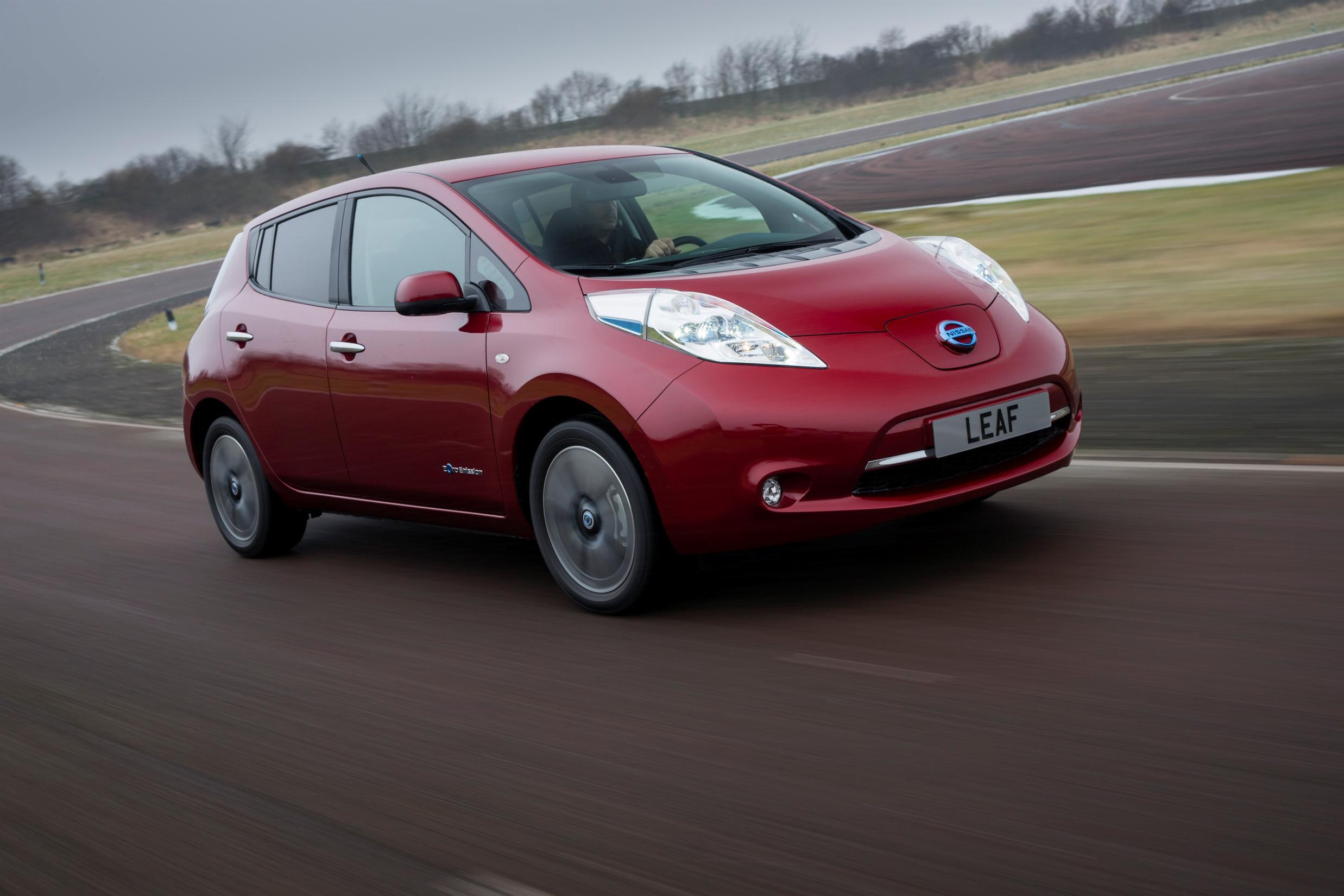 Nissan: le elettriche battono le tradizionali
