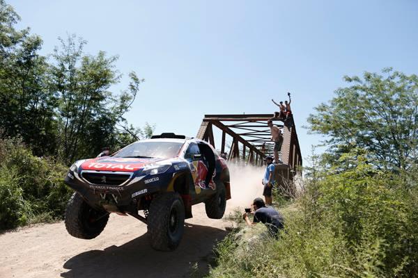 Dakar: il Team Peugeot Total supera la tappa più lunga