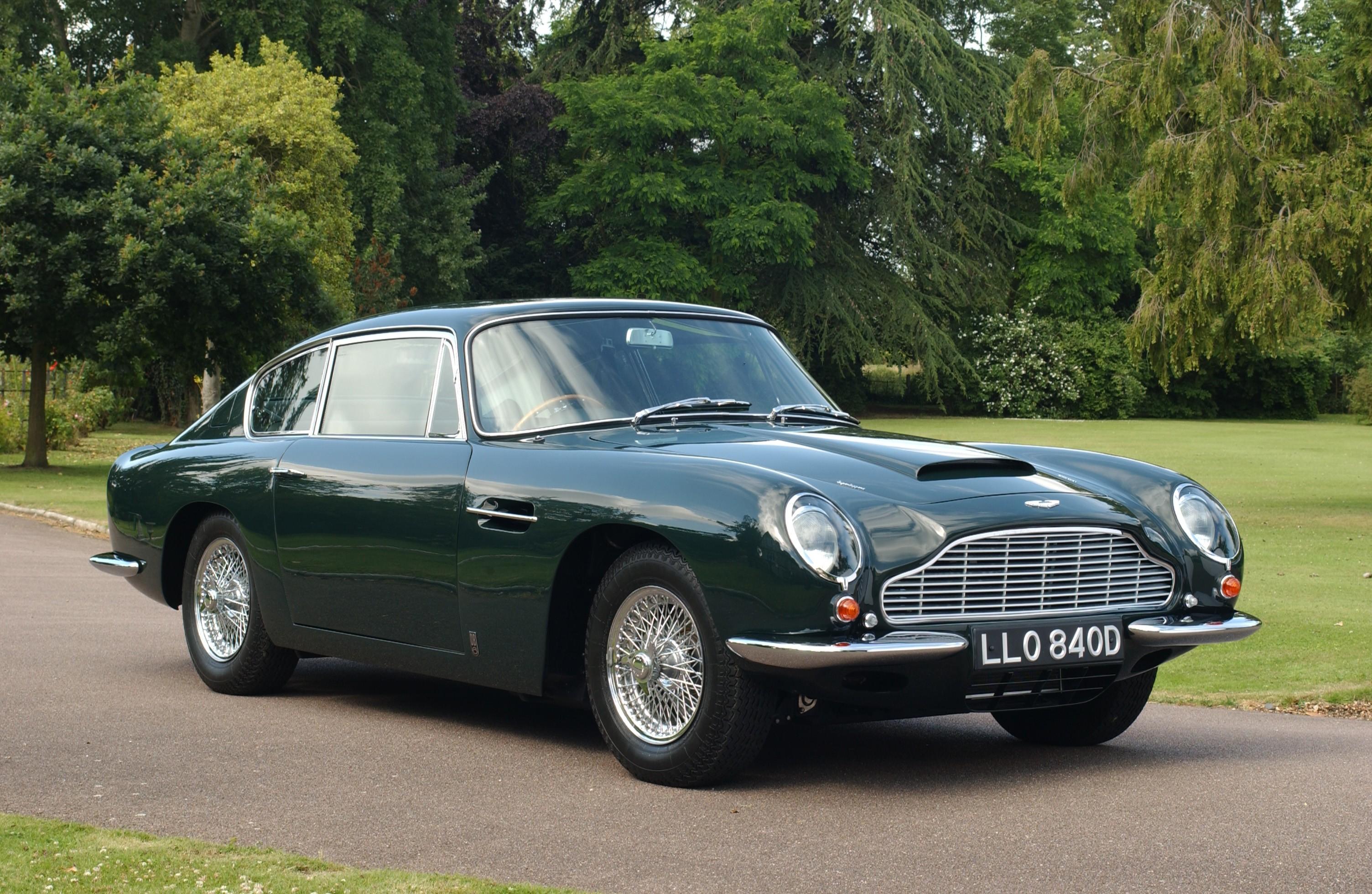 Aston Martin al London Classic Car Show
