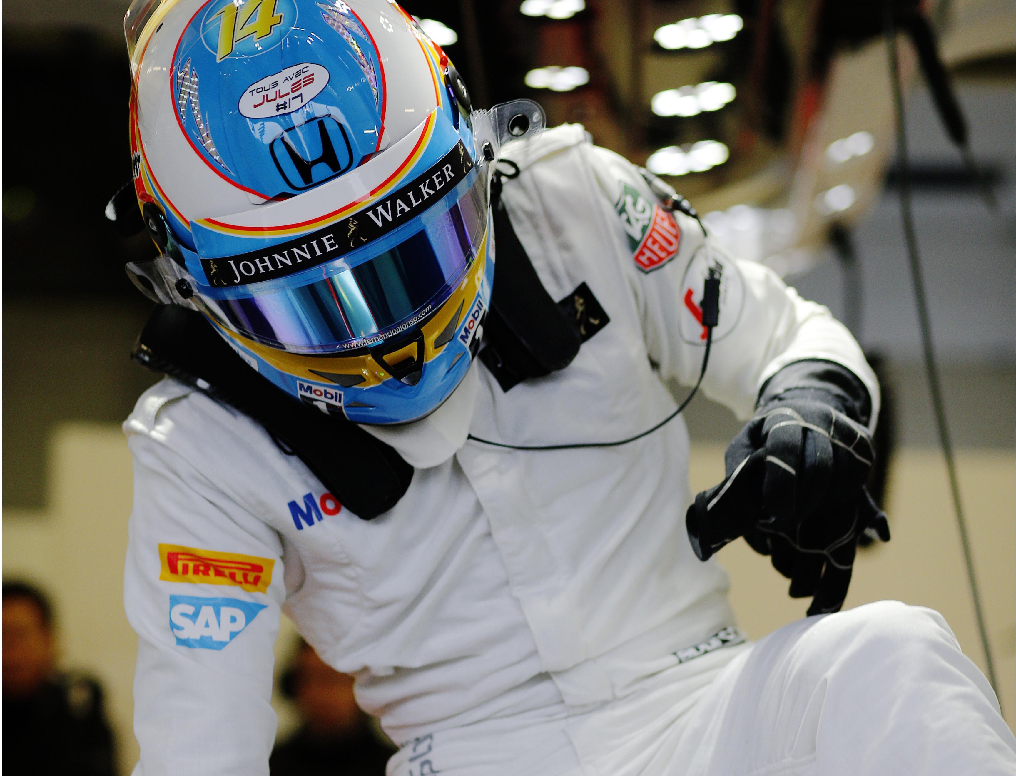 F1 e sicurezza: norme sull'abbigliamento con Sparco