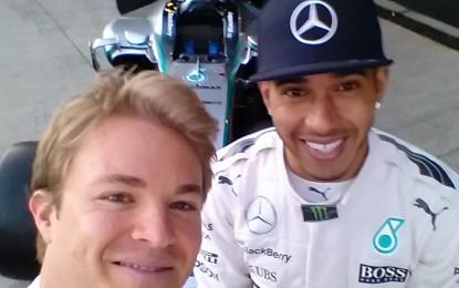 Lewis e Nico: #selfie prima della battaglia 2015