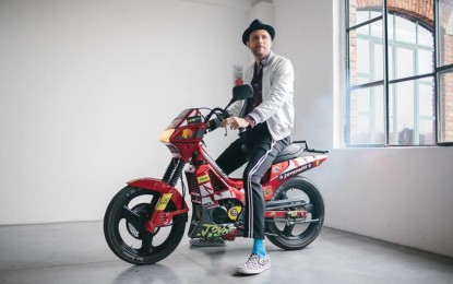 Jovanotti canta la MotoGP su Sky