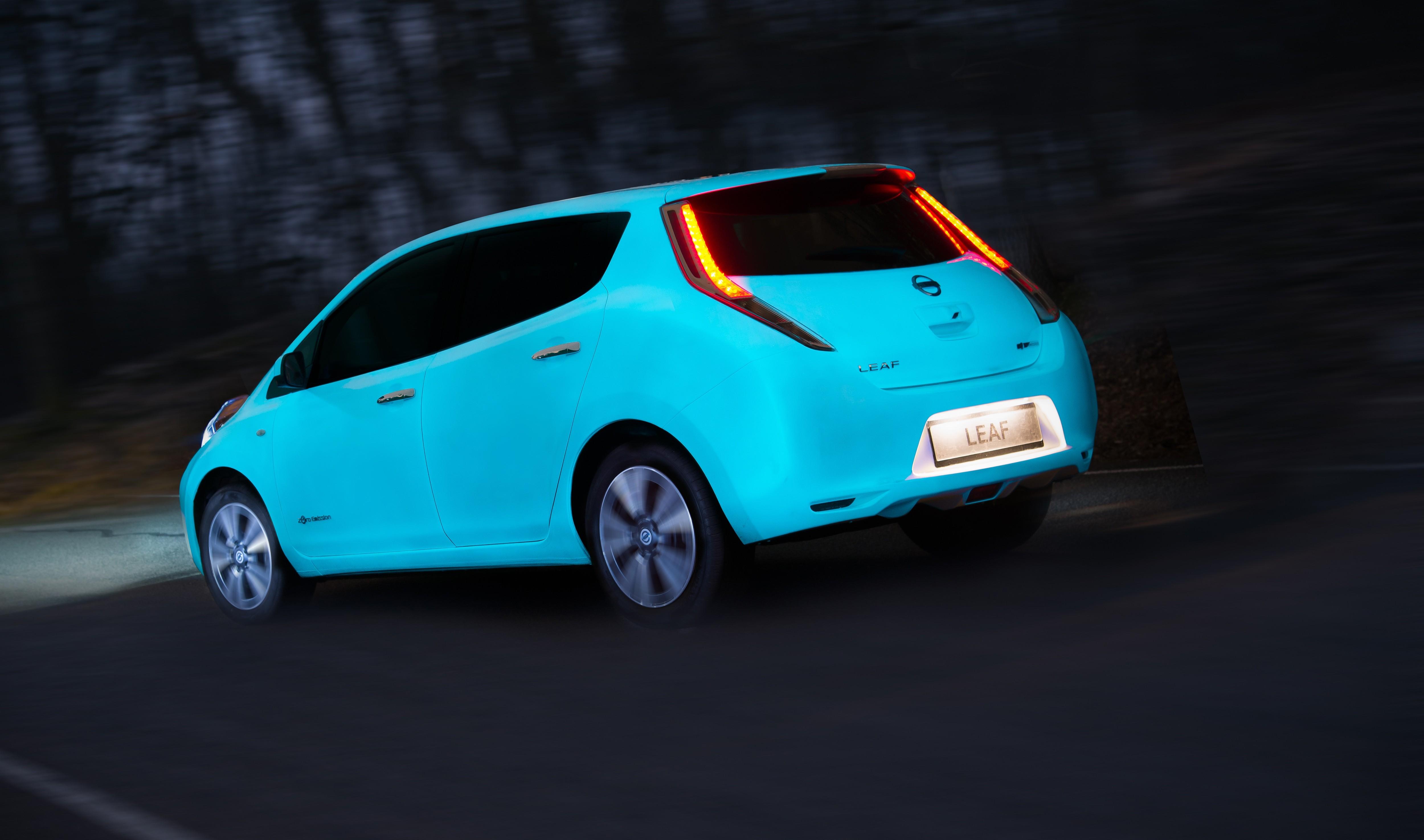 Nissan: energia dalla vernice fluo