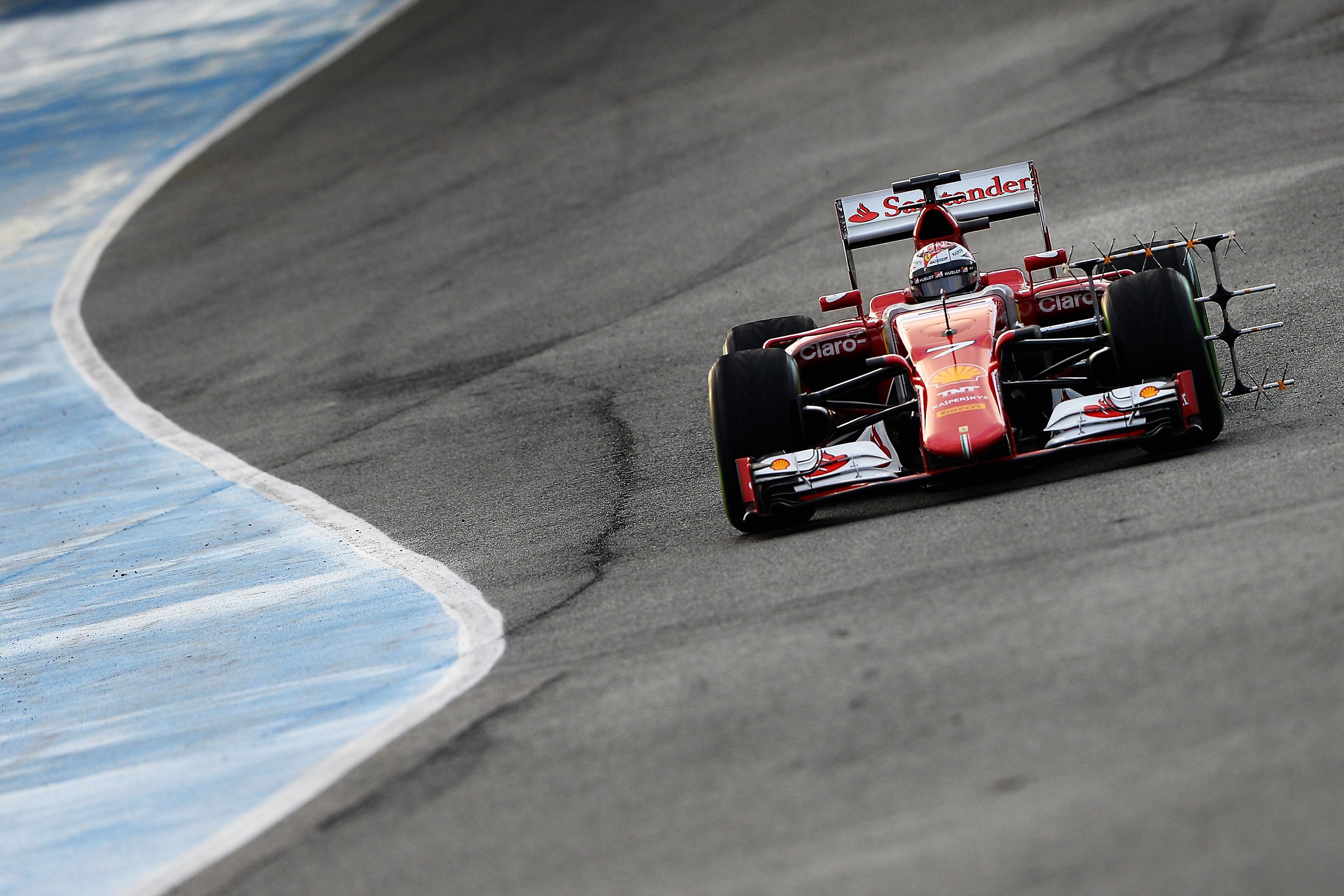 Test Jerez: la mattinata in casa Ferrari
