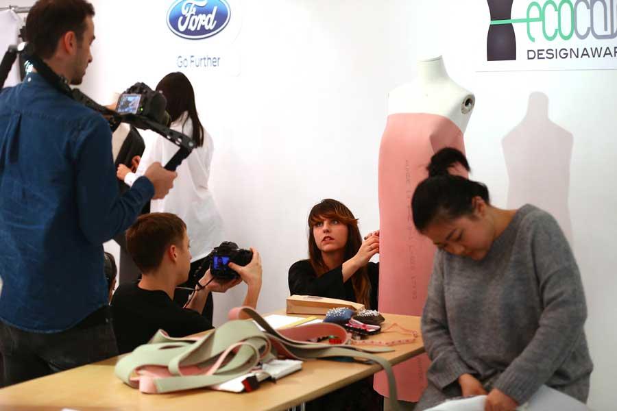 Ford: collezione fashion dai tessuti delle auto