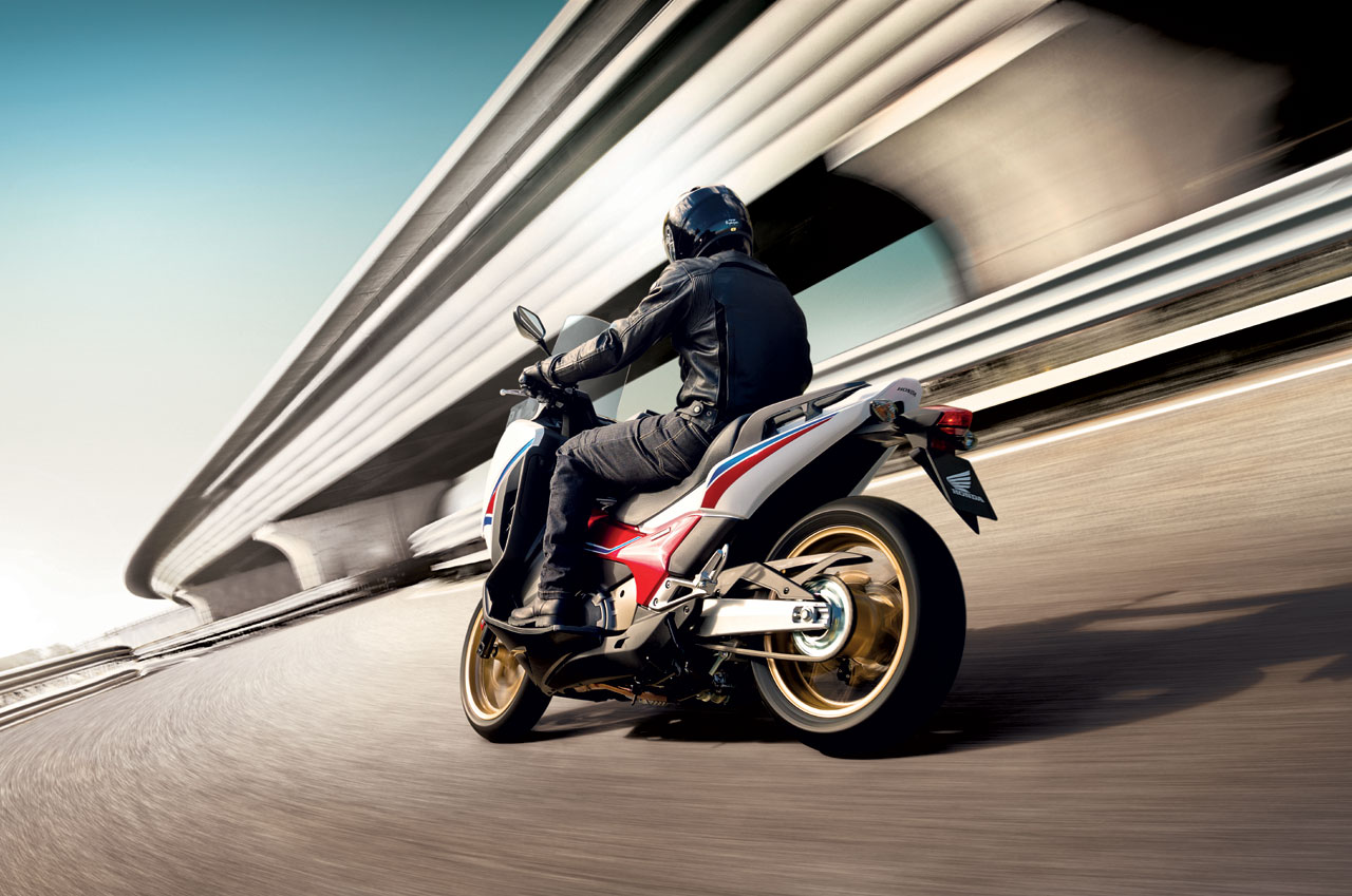 Honda Integra 750: a febbraio RC inclusa