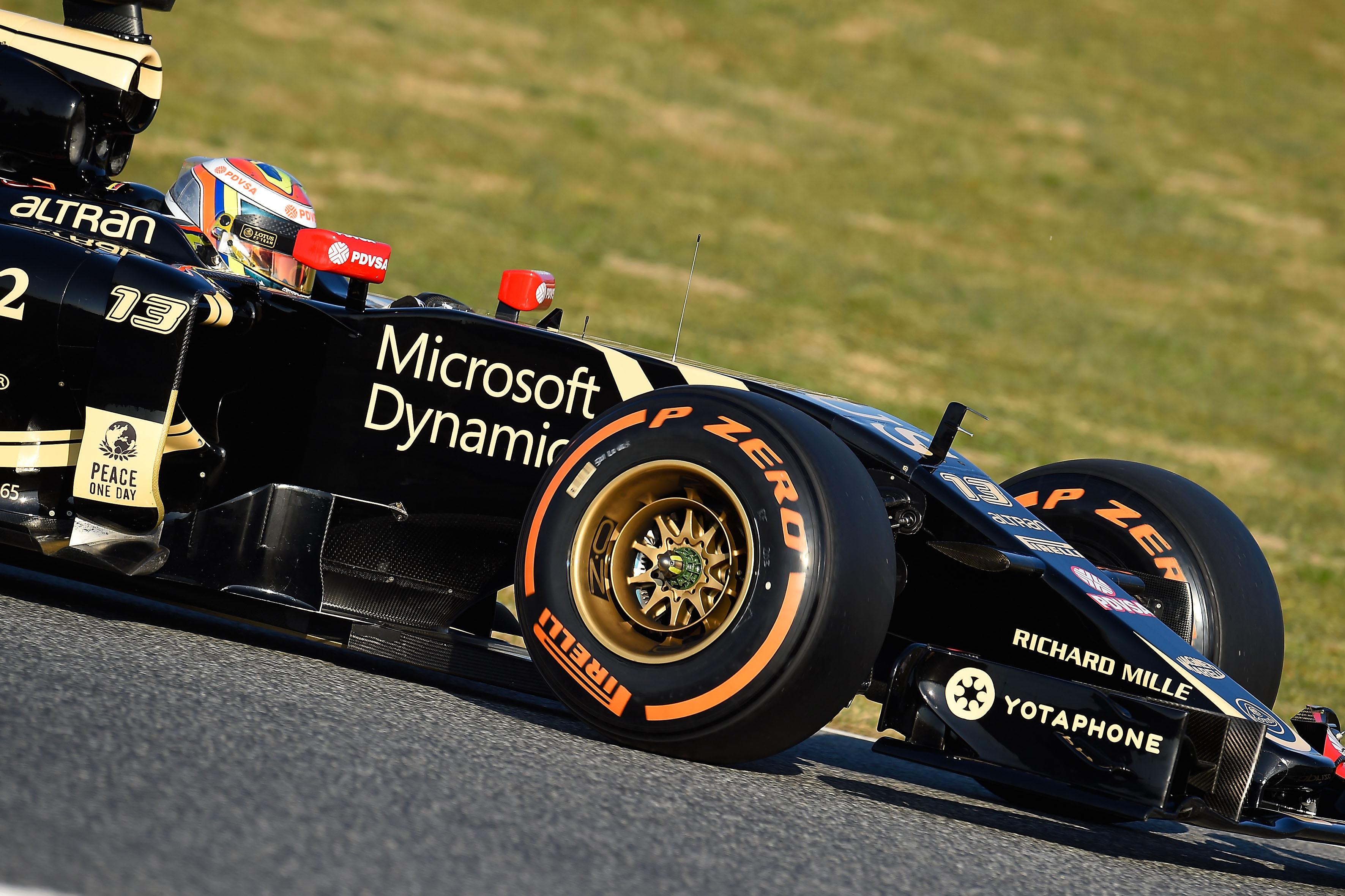 Test: Maldonado e Lotus più veloci. Incidente Nasr-Wolff