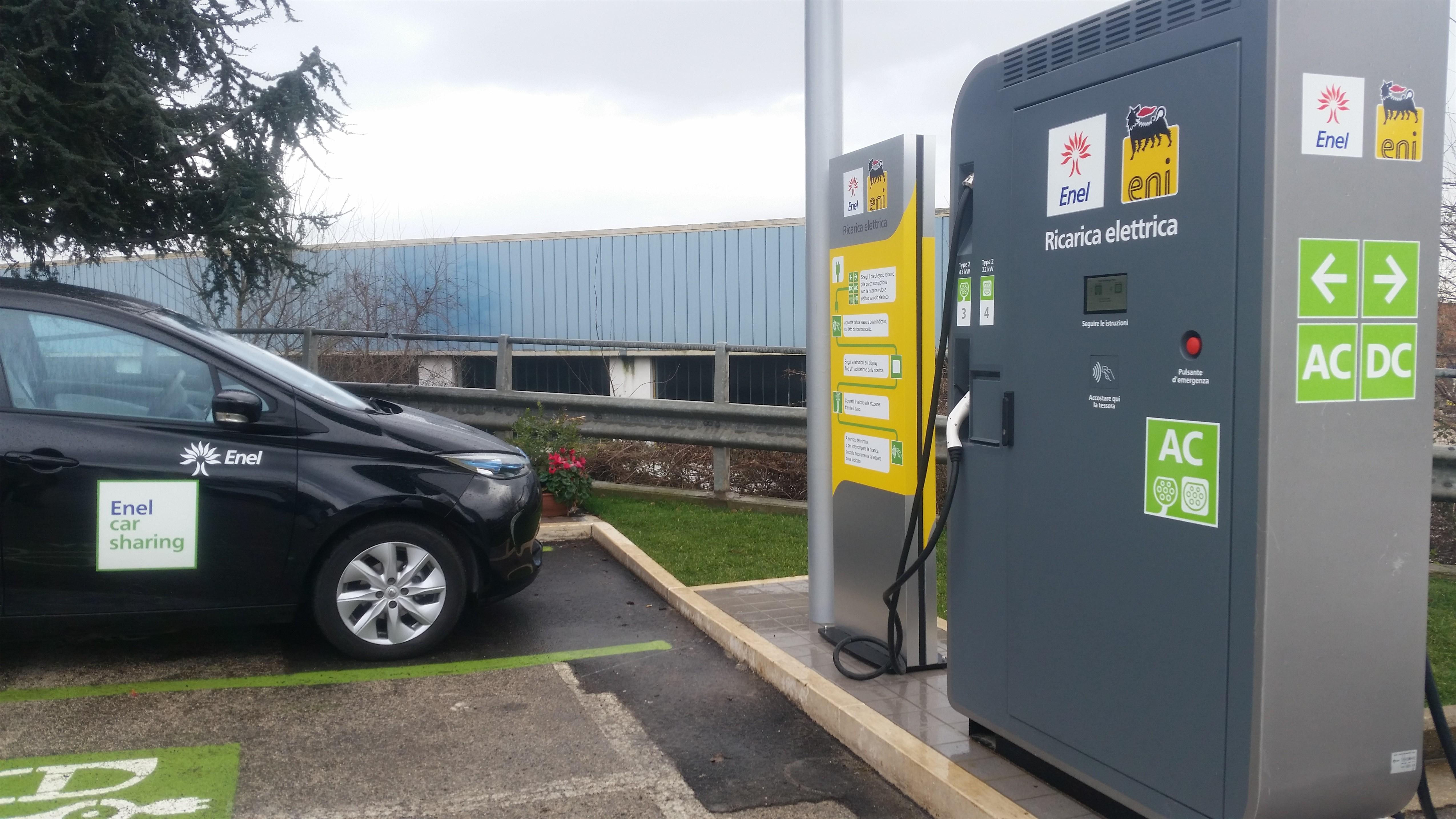 Renault ZOE: un pieno in 30′ con Fast Recharge Plus