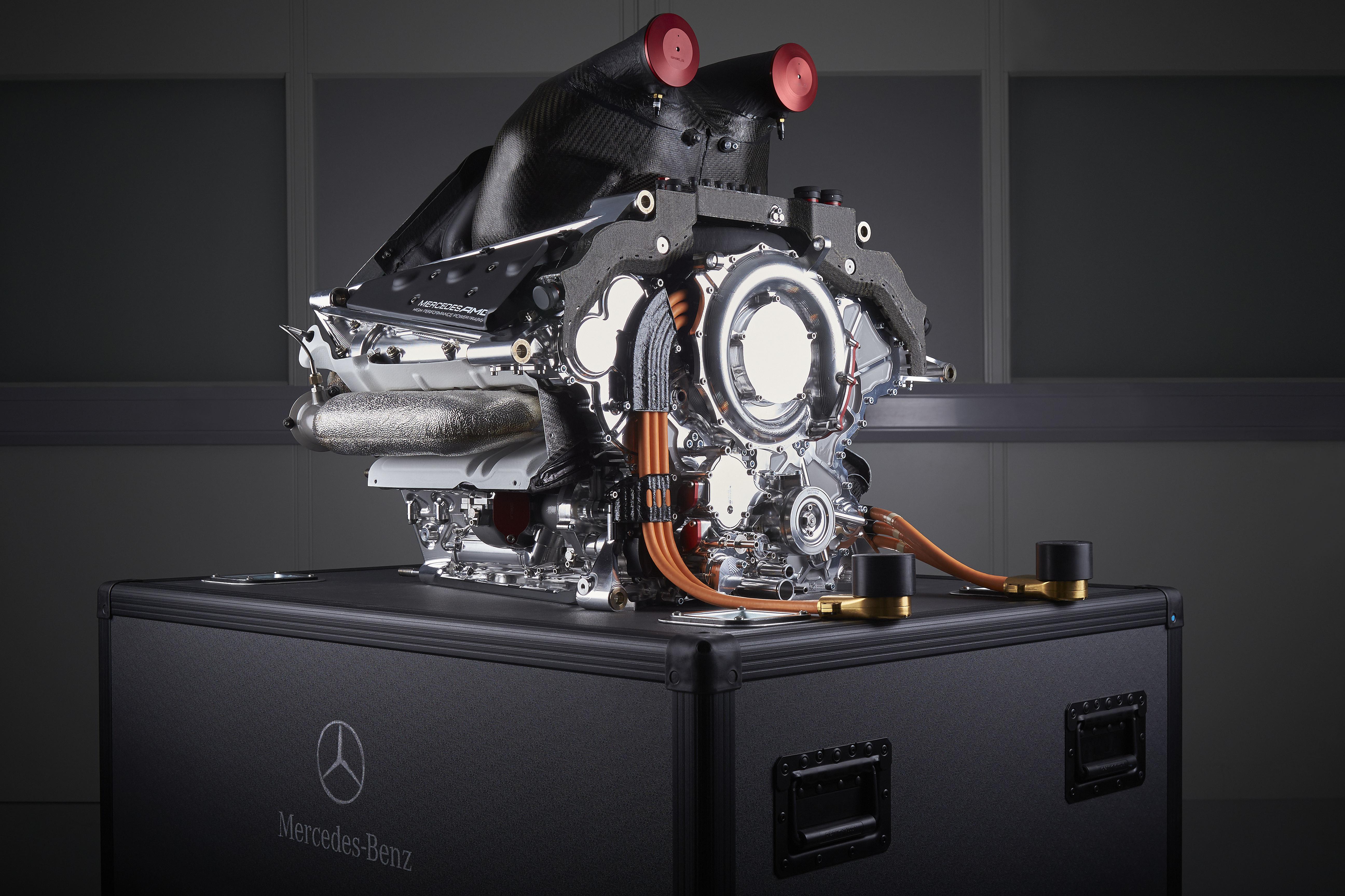 Mercedes AMG Petronas: la power unit 2015