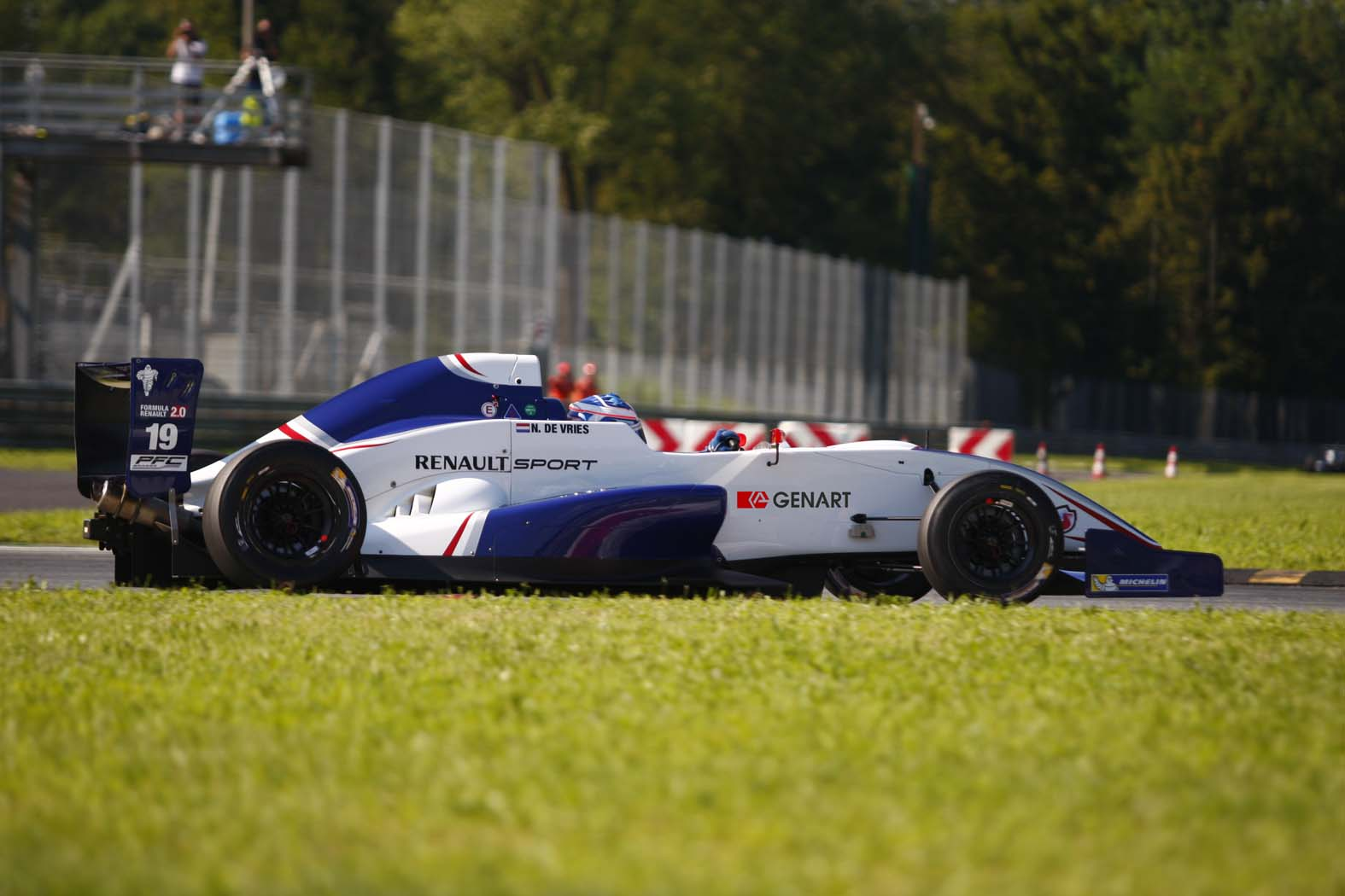 Clio Cup e F.Renault 2.0 ALPS: GEN-ART main sponsor