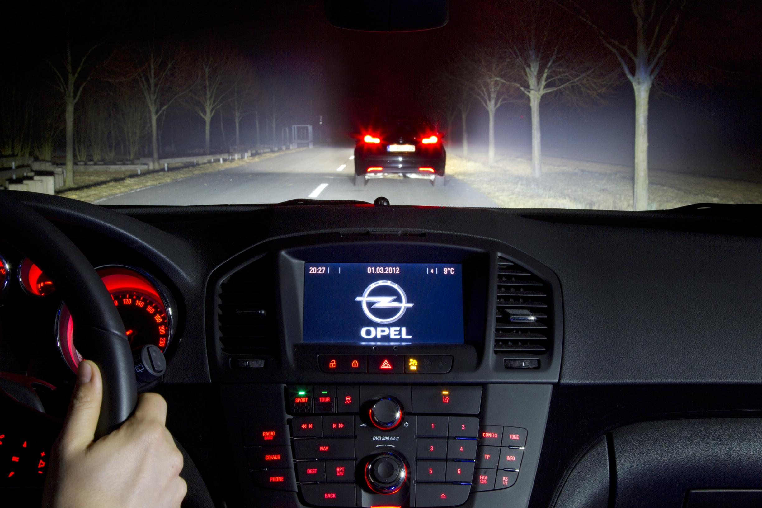 La tecnologia EYE-TRACKING di Opel
