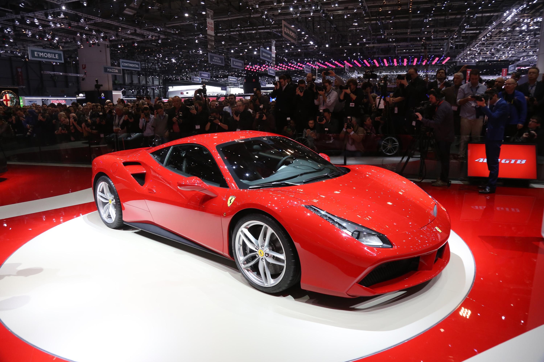 La Ferrari 488 GTB incanta Ginevra