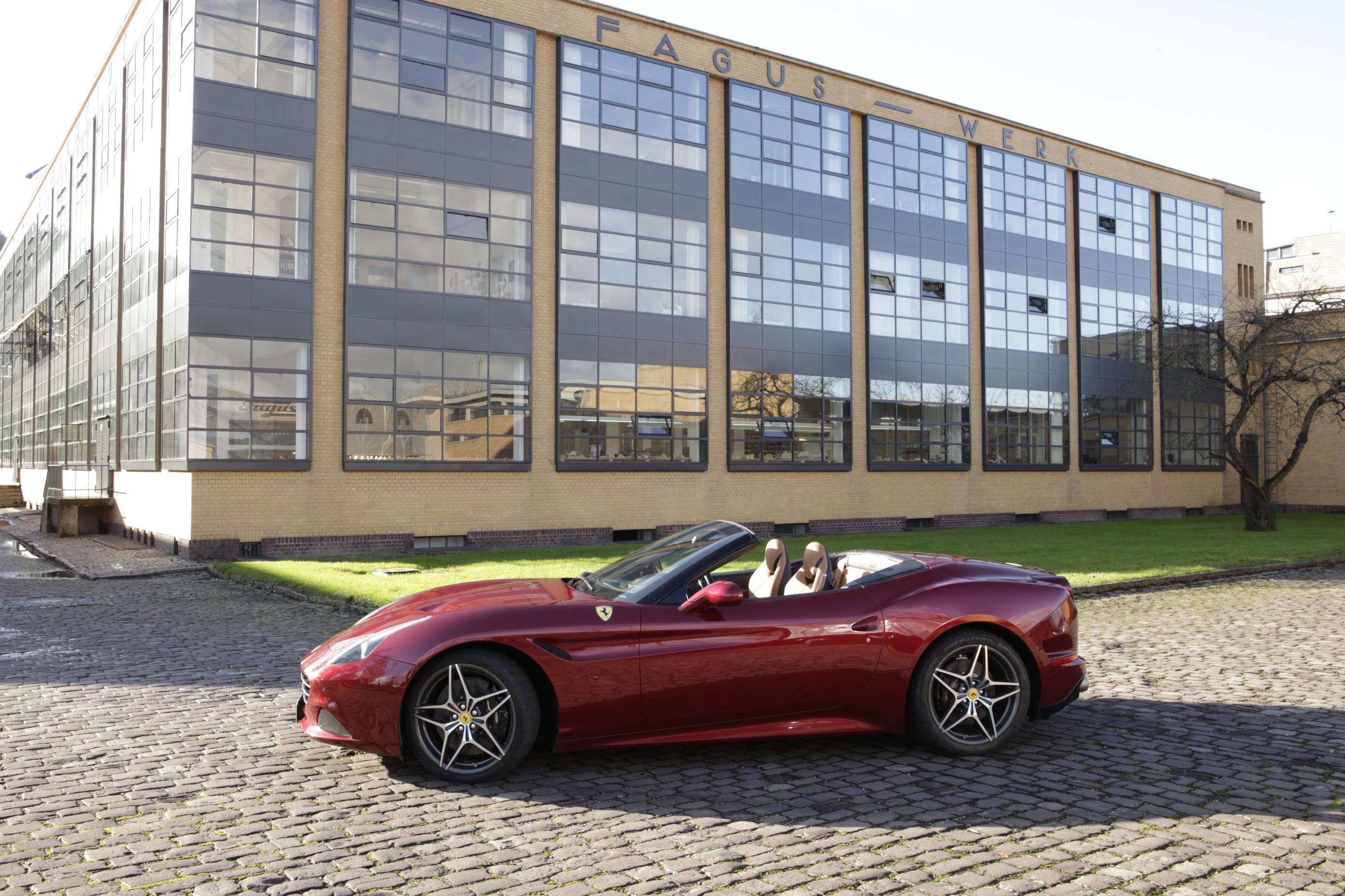 Ferrari California T: omaggio al design