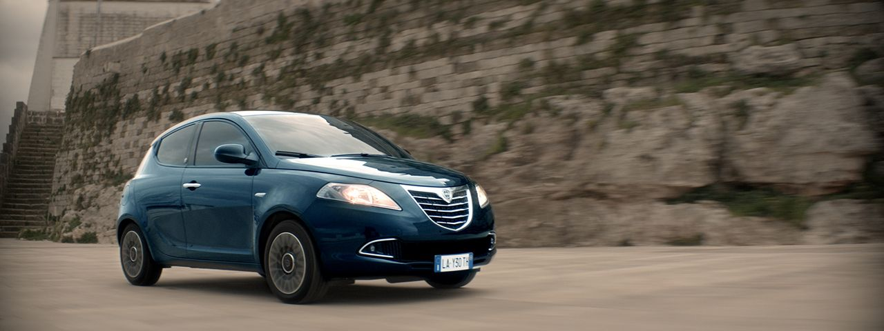 "Ypsilon ""30th Anniversary"" in TV e negli showroom"