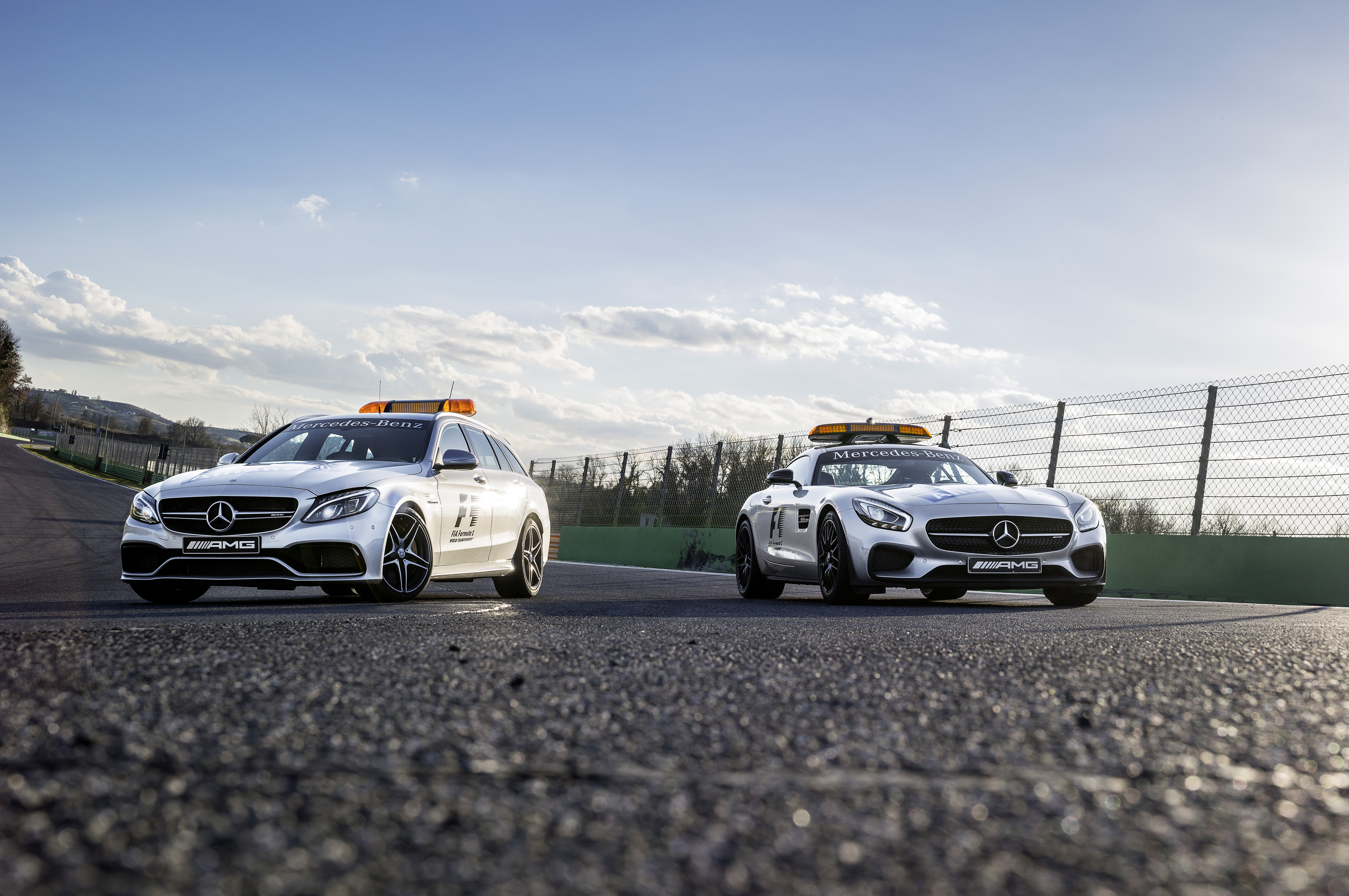 F1 2015: nuove safety & medical car Mercedes-AMG