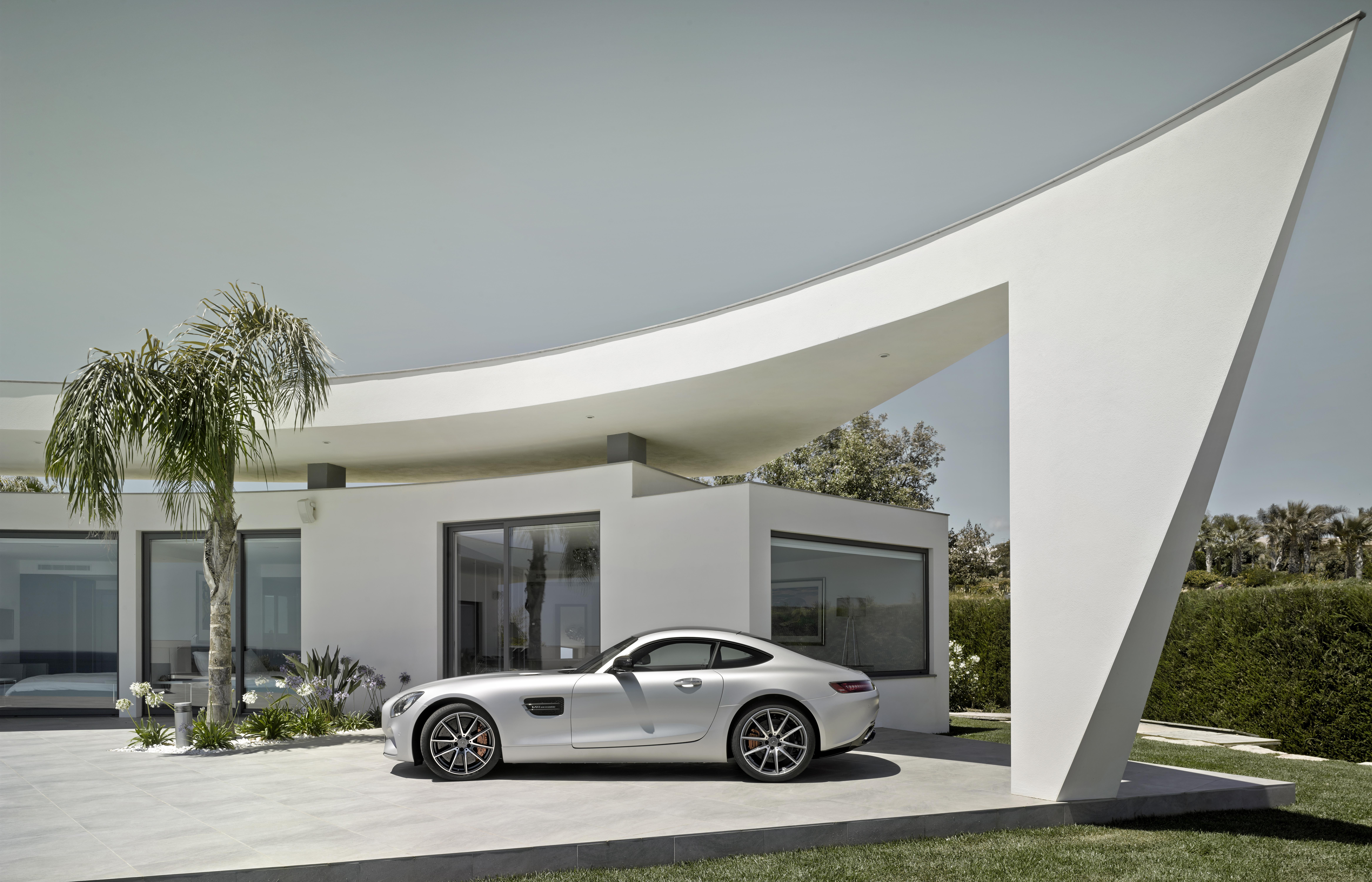 Mercedes-AMG GT: prima italiana sul green
