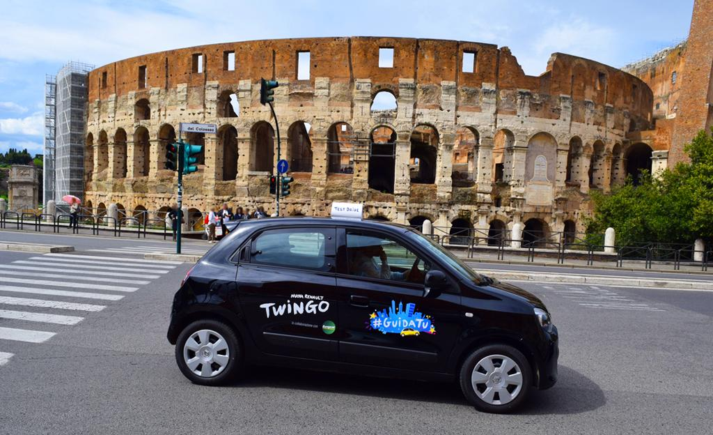 Nuova Twingo: #GuidaTu fa tappa a Roma