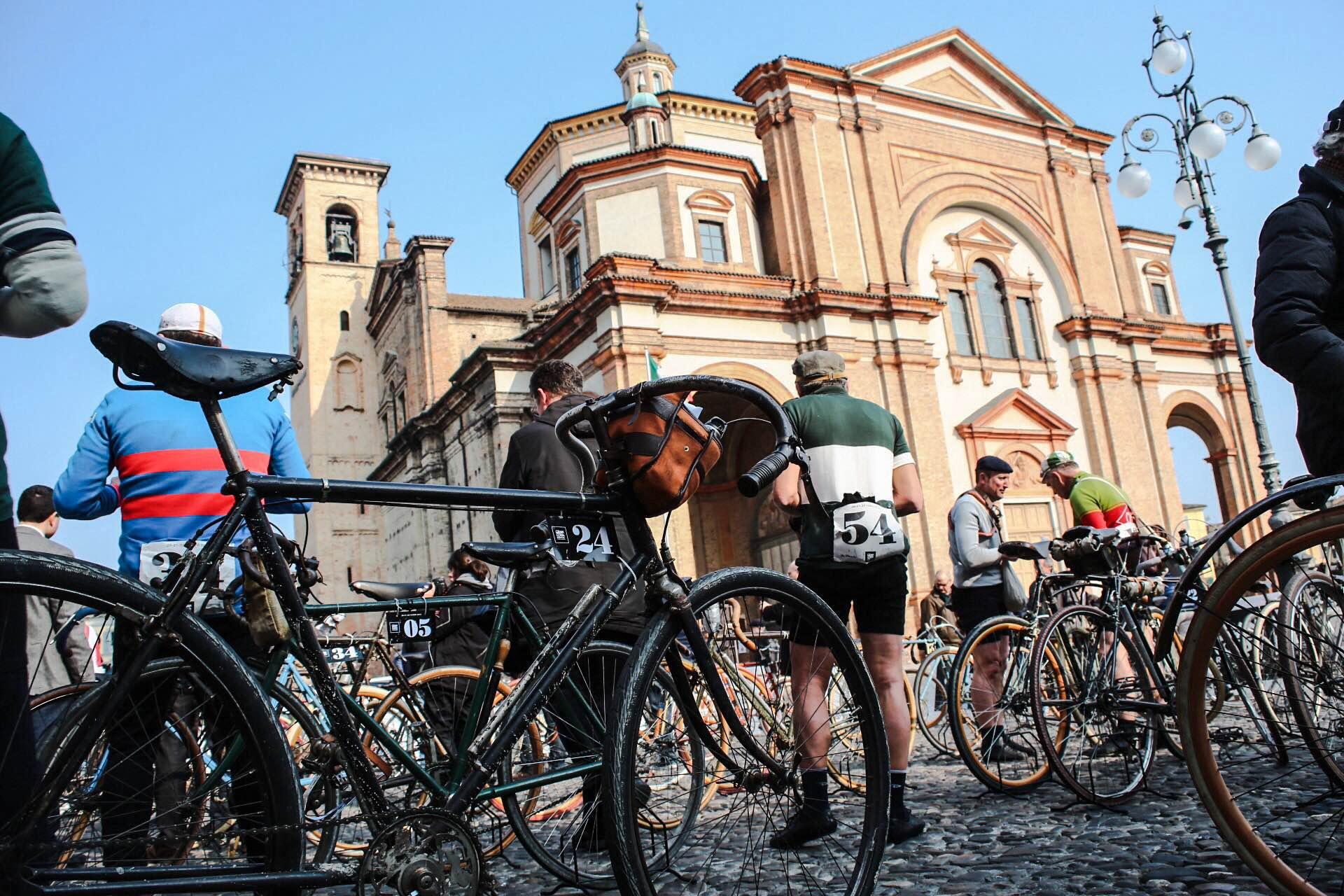 Milano-Sanremo storica con bici anni 20