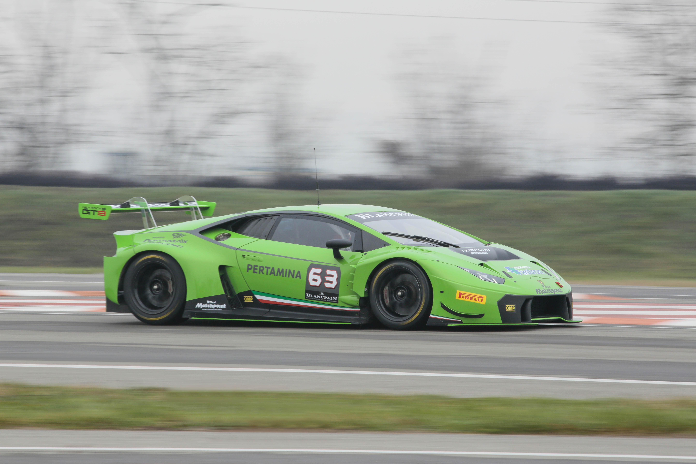 Lamborghini Huracán GT3: debutto al Paul Ricard
